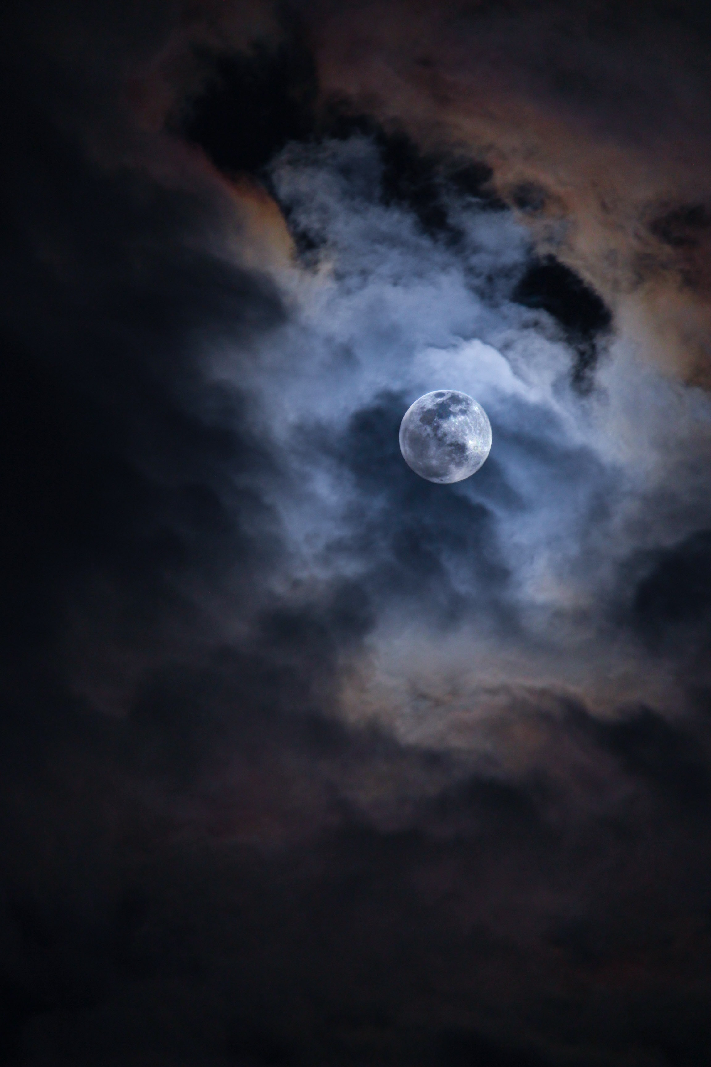 113154 download wallpaper Moon, Nature, Sky, Night, Clouds, Shine, Light screensavers and pictures for free