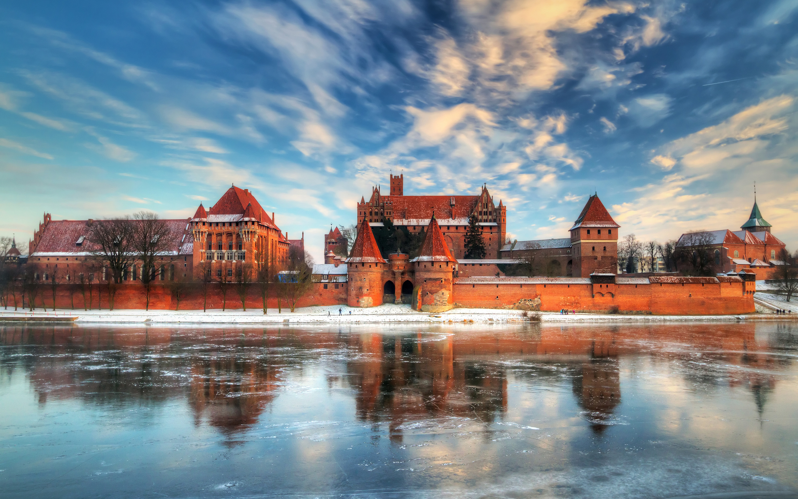 44438 download wallpaper Landscape, Winter, Castles screensavers and pictures for free