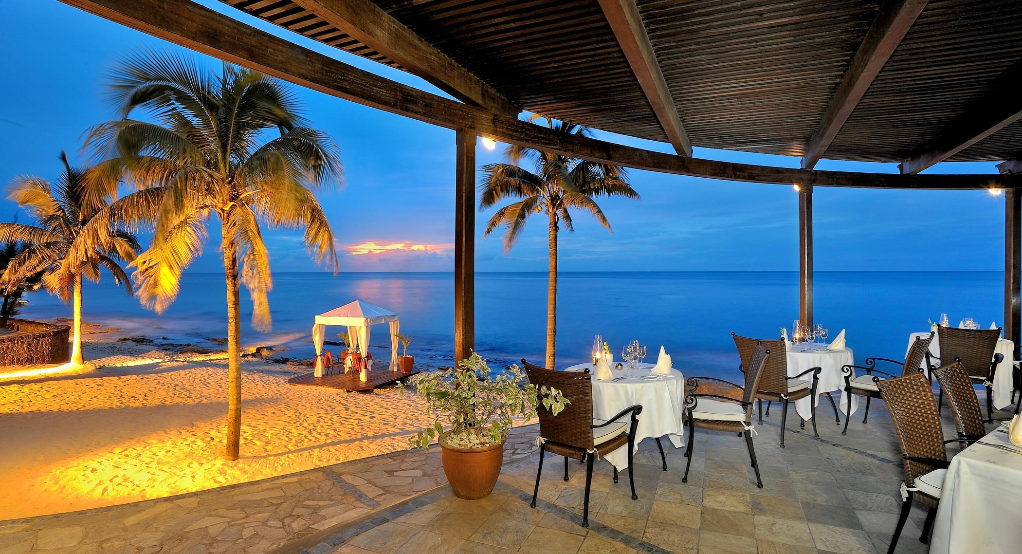 140772 завантажити шпалери Море, Природа, Пісок, Пляж, Пальми, Вечір, Тропіки, Тропіках - заставки і картинки безкоштовно