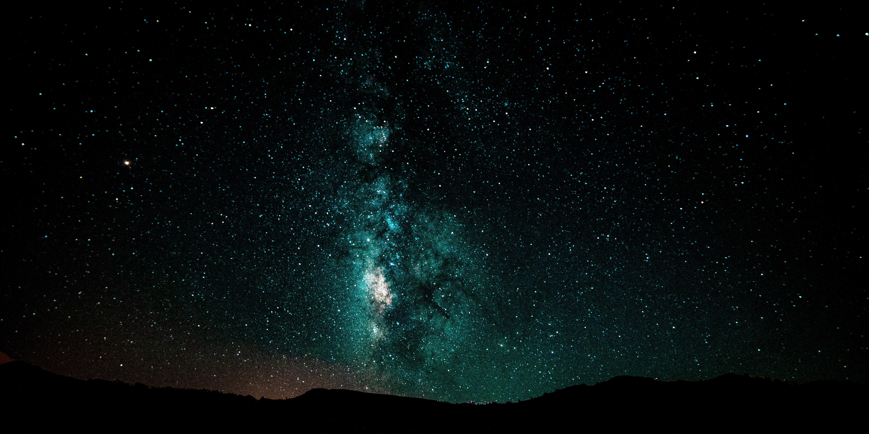 121463 Hintergrundbild herunterladen Dunkel, Übernachtung, Schein, Sternenhimmel, Die Milchstrasse, Milchstraße, Galaxis, Galaxy - Bildschirmschoner und Bilder kostenlos