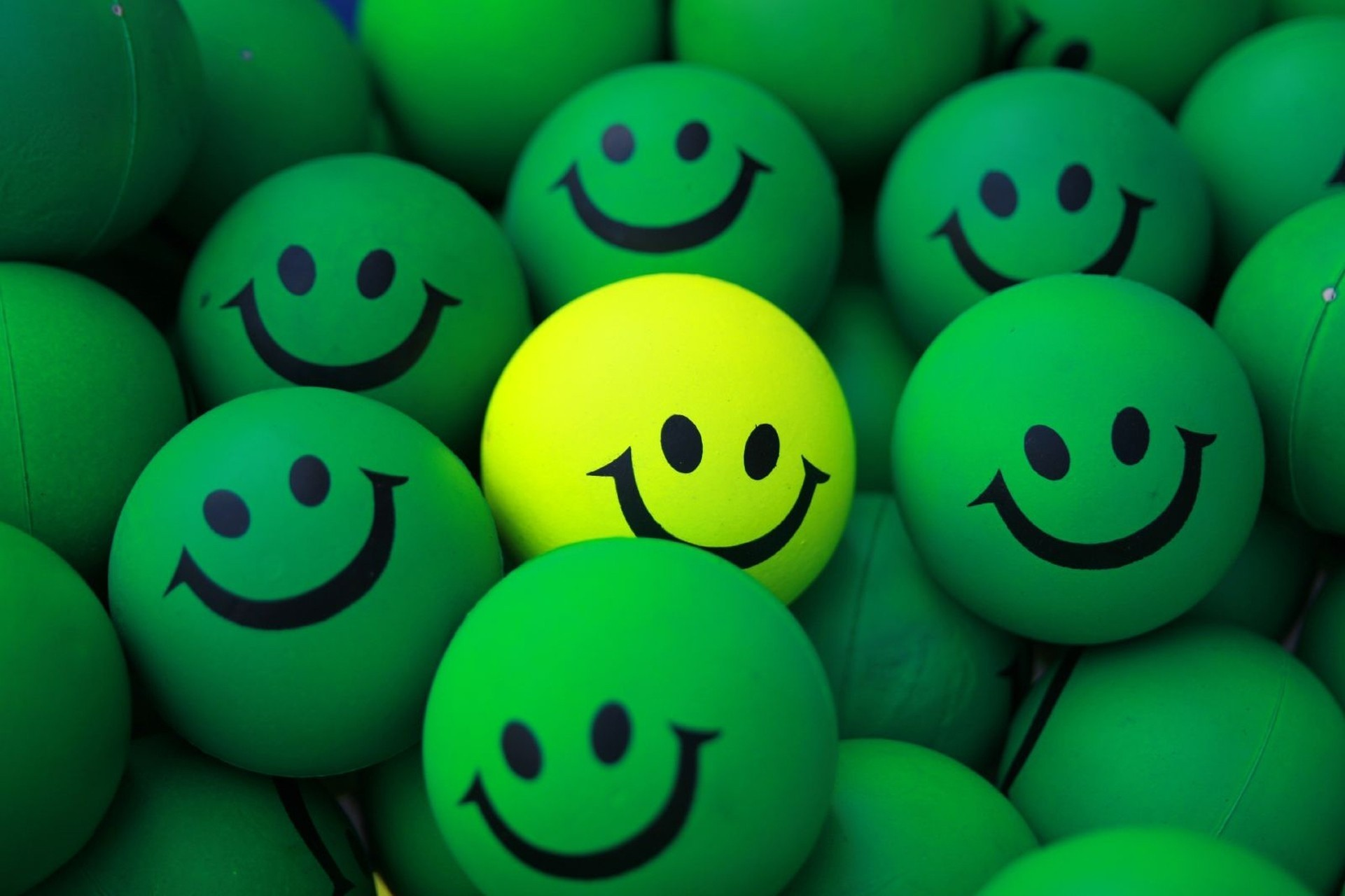 158113 Screensavers and Wallpapers Smile for phone. Download Miscellanea, Miscellaneous, Smile, Balls, Smilies, Smiles pictures for free