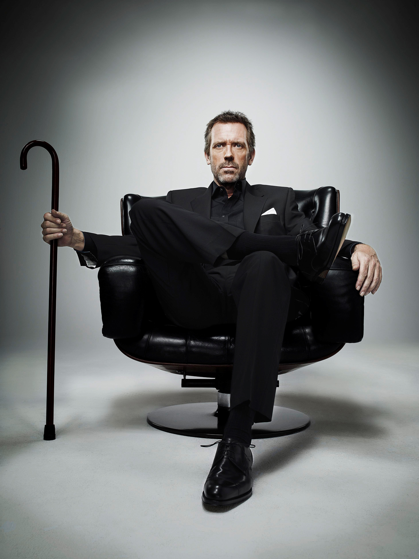 9678 download wallpaper Cinema, People, Actors, Men, House M.d., Hugh Laurie screensavers and pictures for free