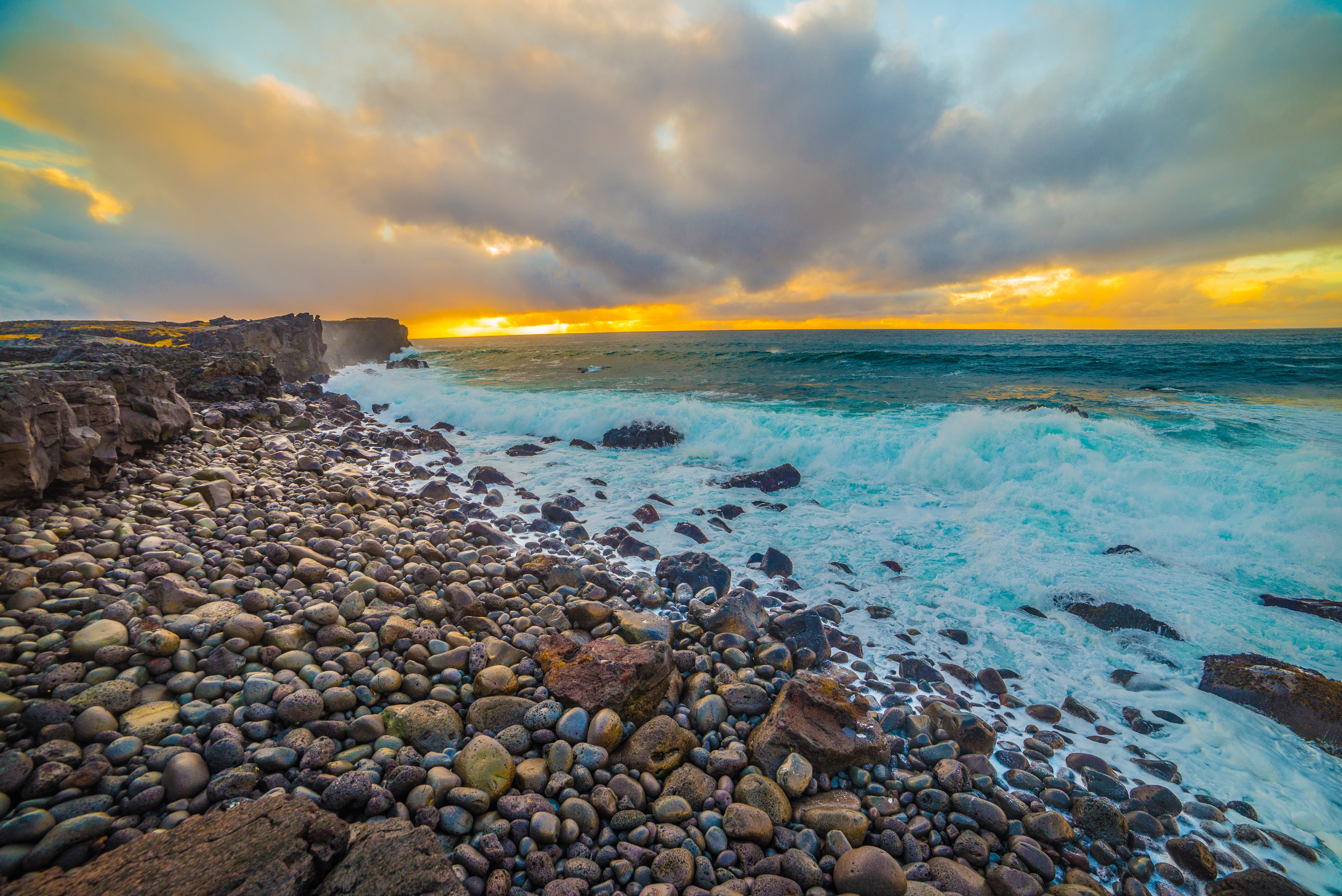 102819 download wallpaper Nature, Stones, Sea, Shore, Bank, Foam screensavers and pictures for free