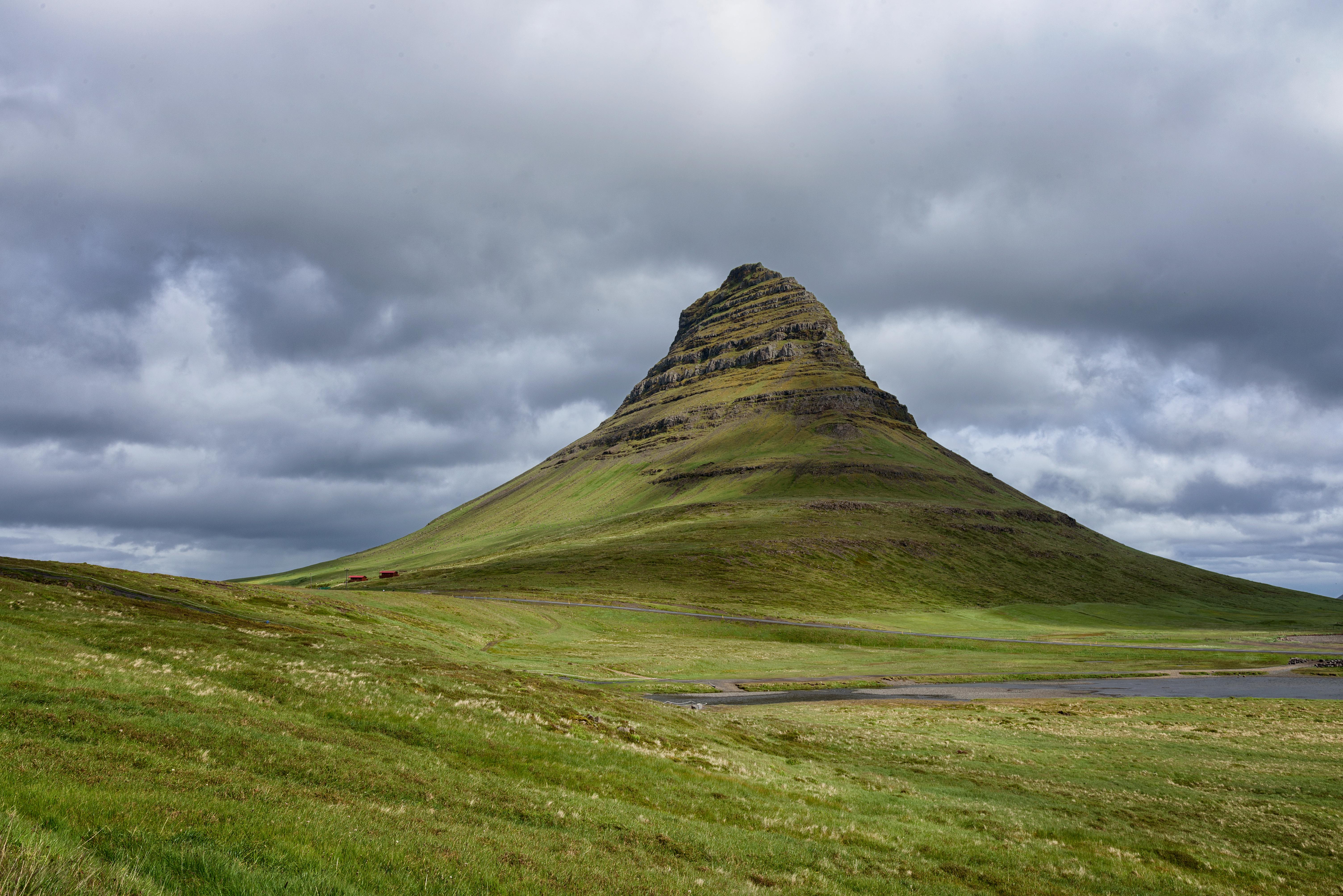 140834 Salvapantallas y fondos de pantalla Paisaje en tu teléfono. Descarga imágenes de Montaña, Vértice, Arriba, Cerro, Loma, Naturaleza, Islandia, Paisaje gratis