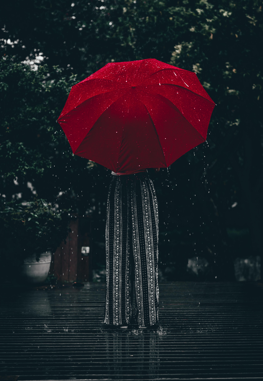 67604壁紙のダウンロードその他, 雑, 傘, 赤い, 女の子, 雨-スクリーンセーバーと写真を無料で