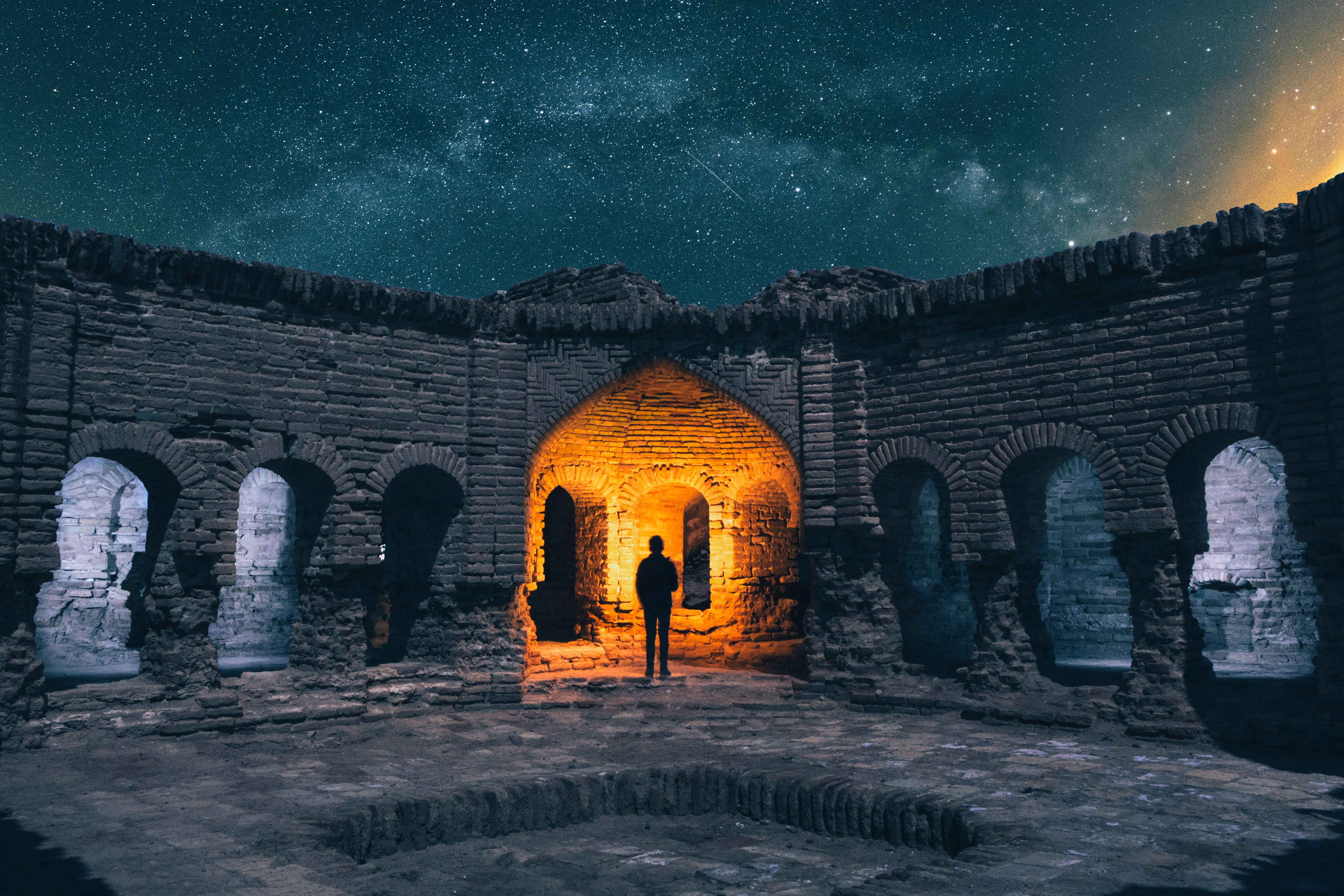 137532 Screensavers and Wallpapers Architecture for phone. Download Miscellanea, Miscellaneous, Ruin, Ruins, Silhouette, Starry Sky, Architecture pictures for free