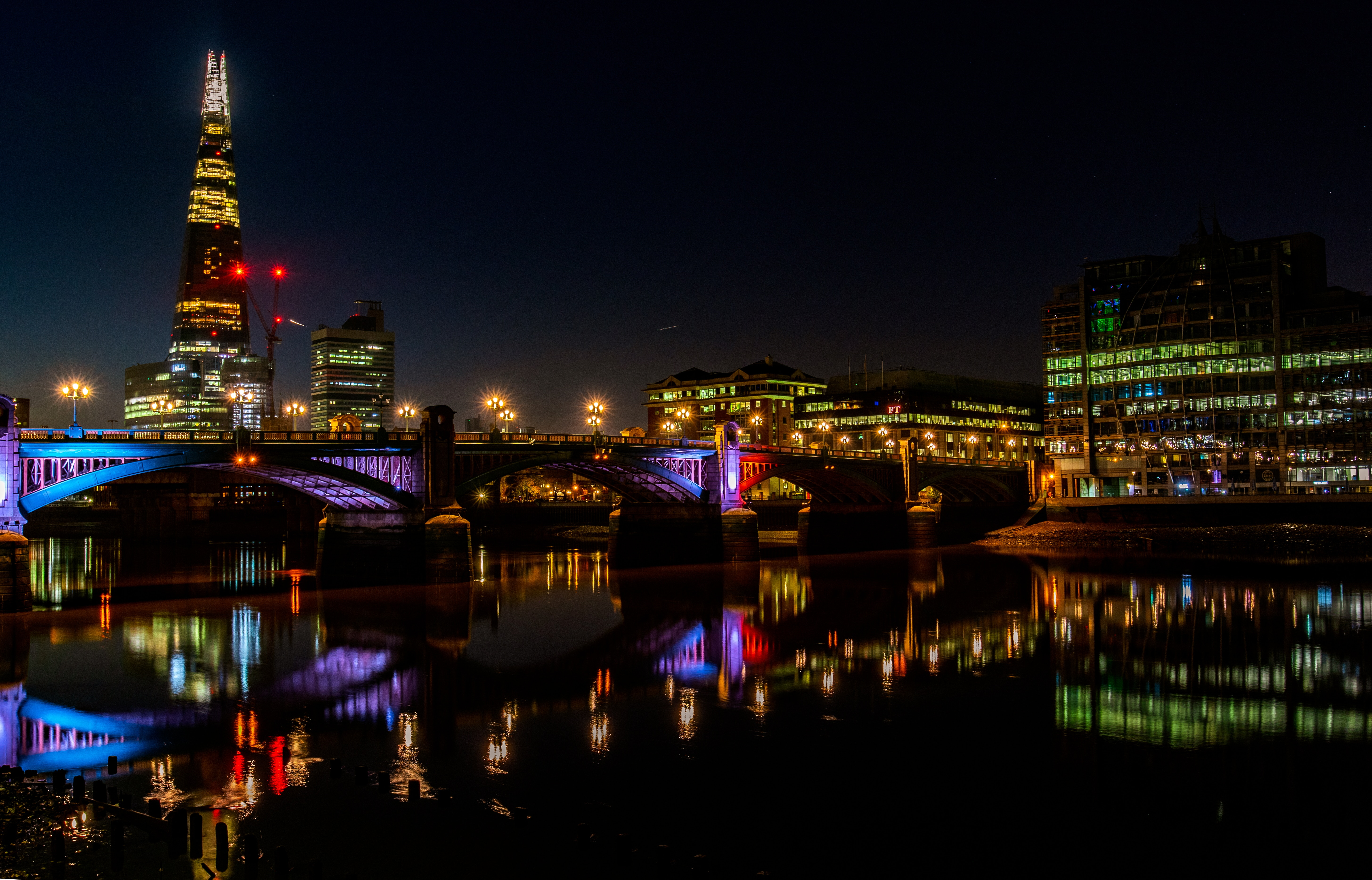 156763 Screensavers and Wallpapers London for phone. Download Cities, Rivers, Great Britain, London, Night City, City Lights, Bridge, United Kingdom, Thames pictures for free