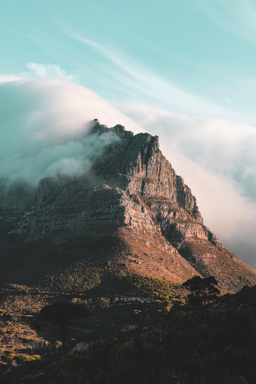 89886 免費下載壁紙 性质, 岩石, 顶点, 云, 云端, 多雾路段, 雾 屏保和圖片