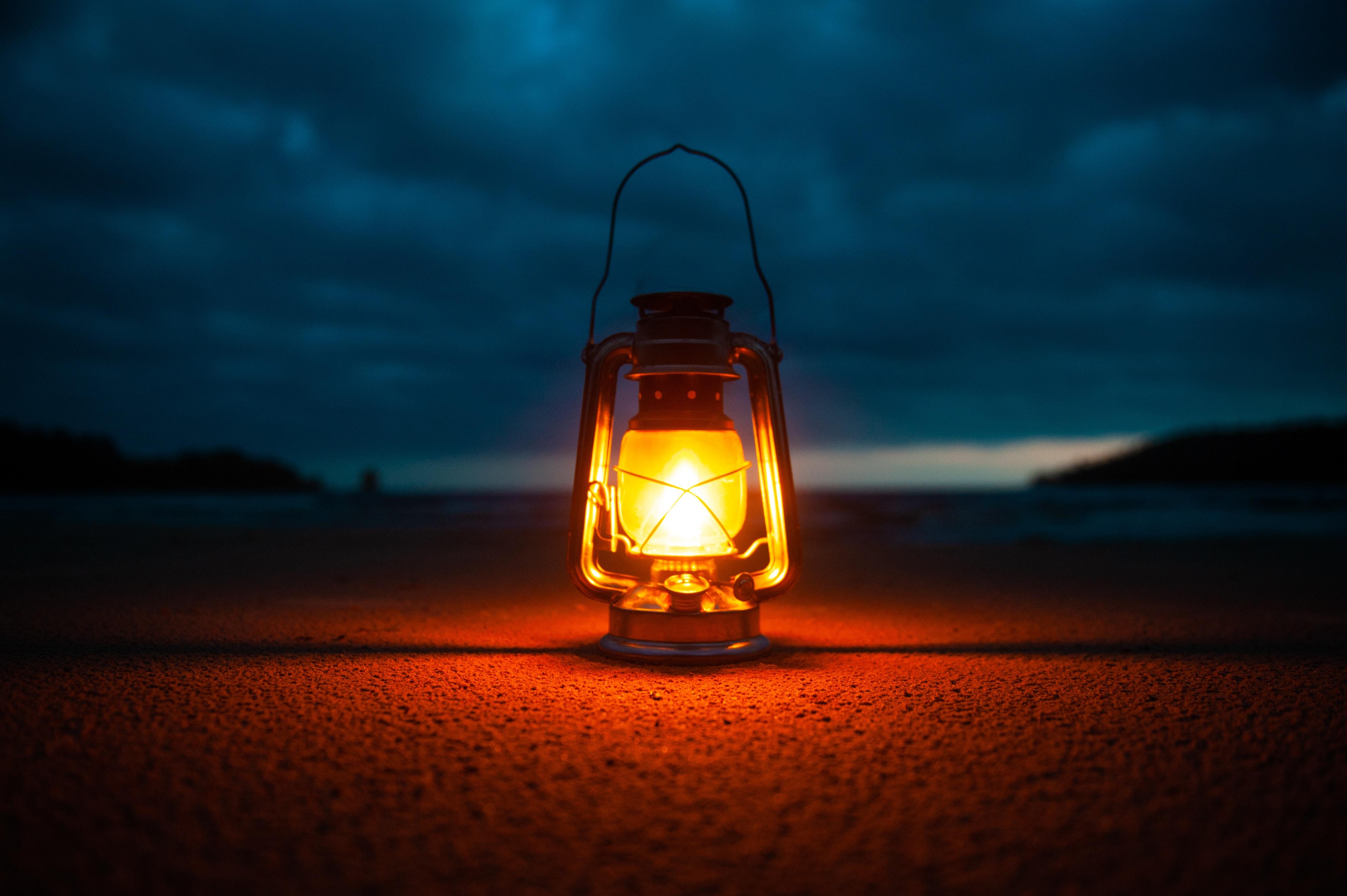 99143 免費下載壁紙 杂项, 灯, 灯泡, 灯具, 闪耀, 光, 明亮的, 明亮, 阴影, 金属, 优质的, 复古 屏保和圖片