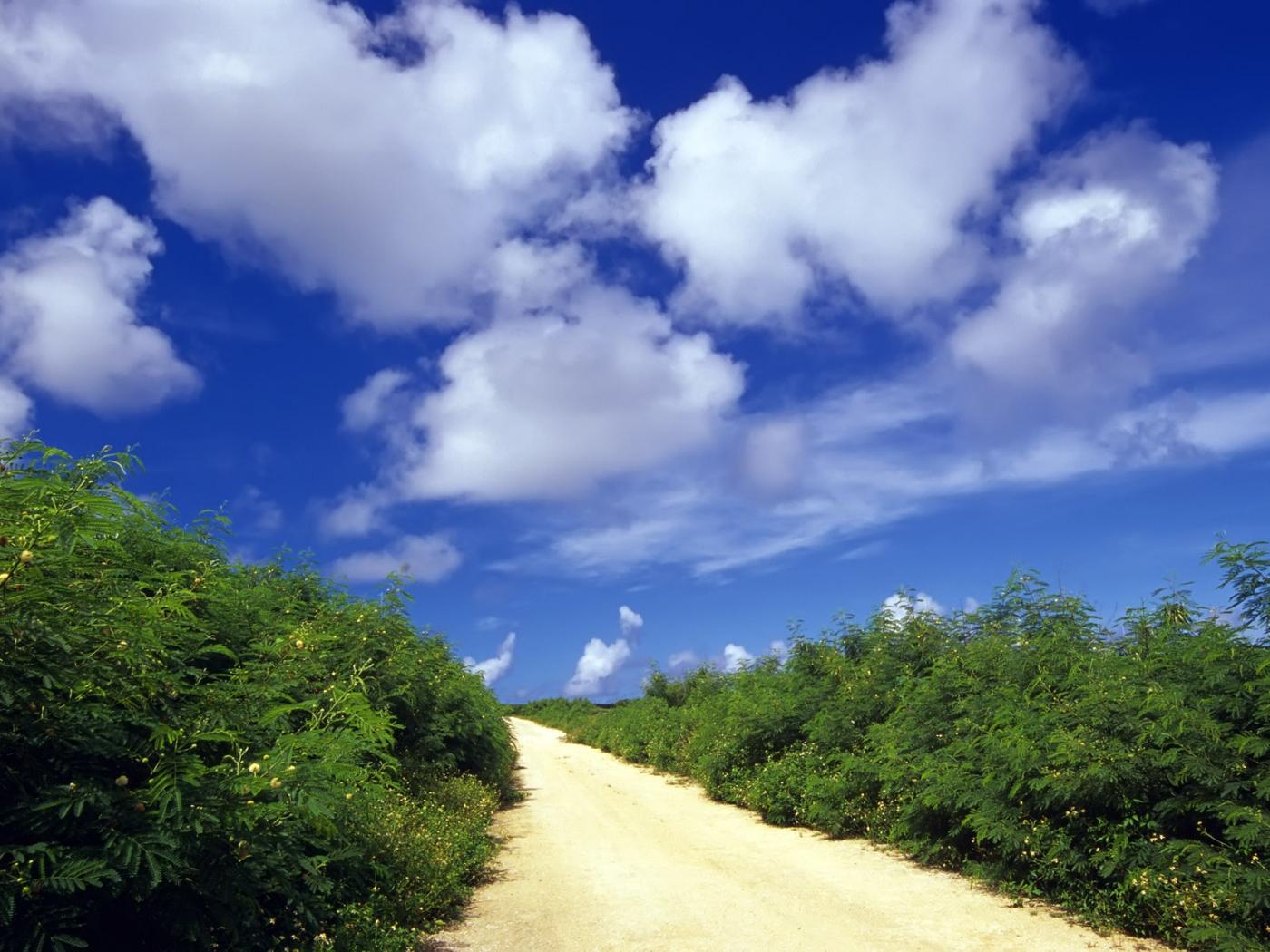 Скачать картинку Пейзаж, Небо, Дороги в телефон бесплатно.