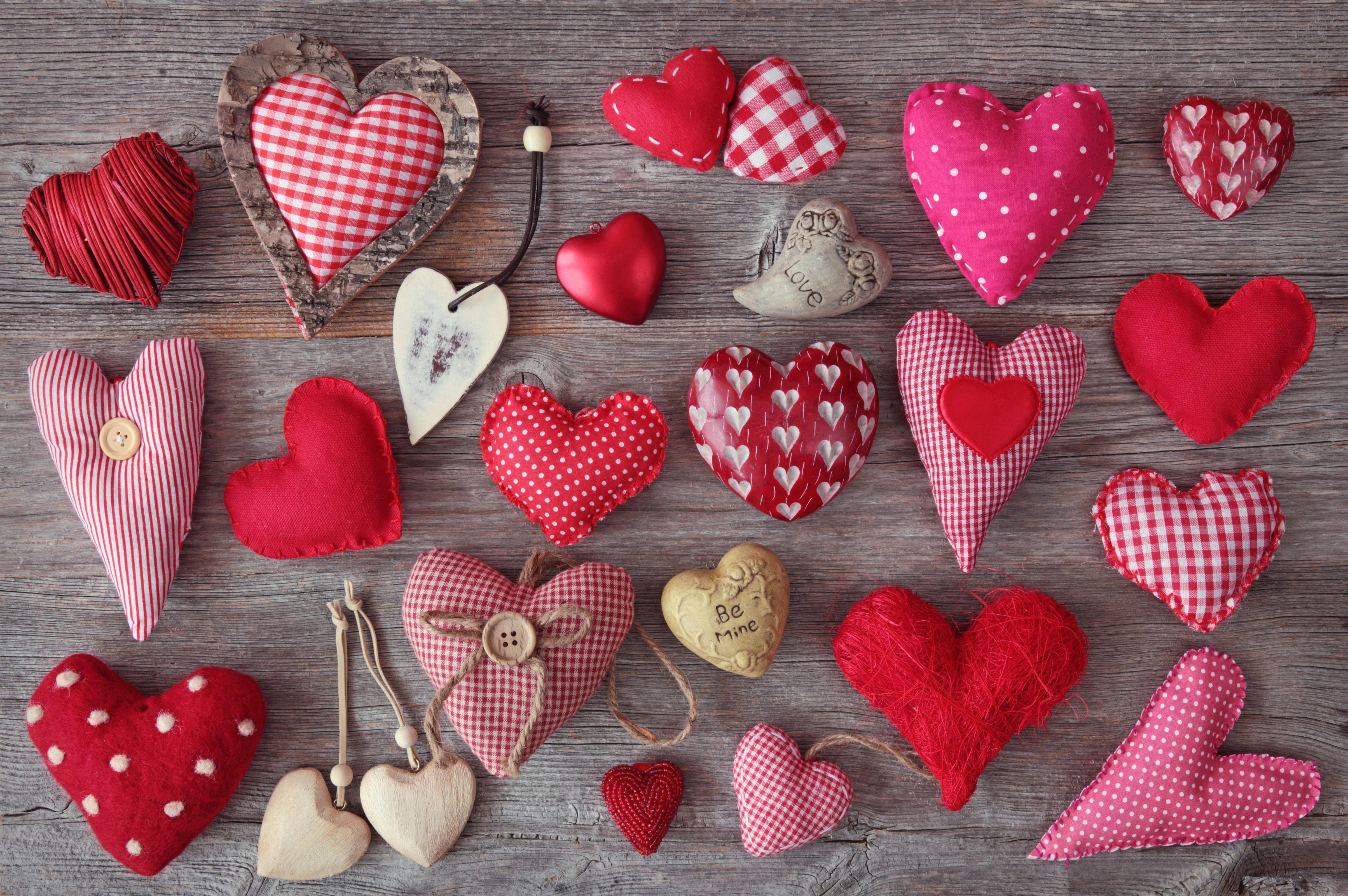 51293 Заставки и Обои Сердца на телефон. Скачать Сердца, Любовь, Дерево, Ткань, Сердечки, Красная, Подушечки, Розовая, Надписи картинки бесплатно