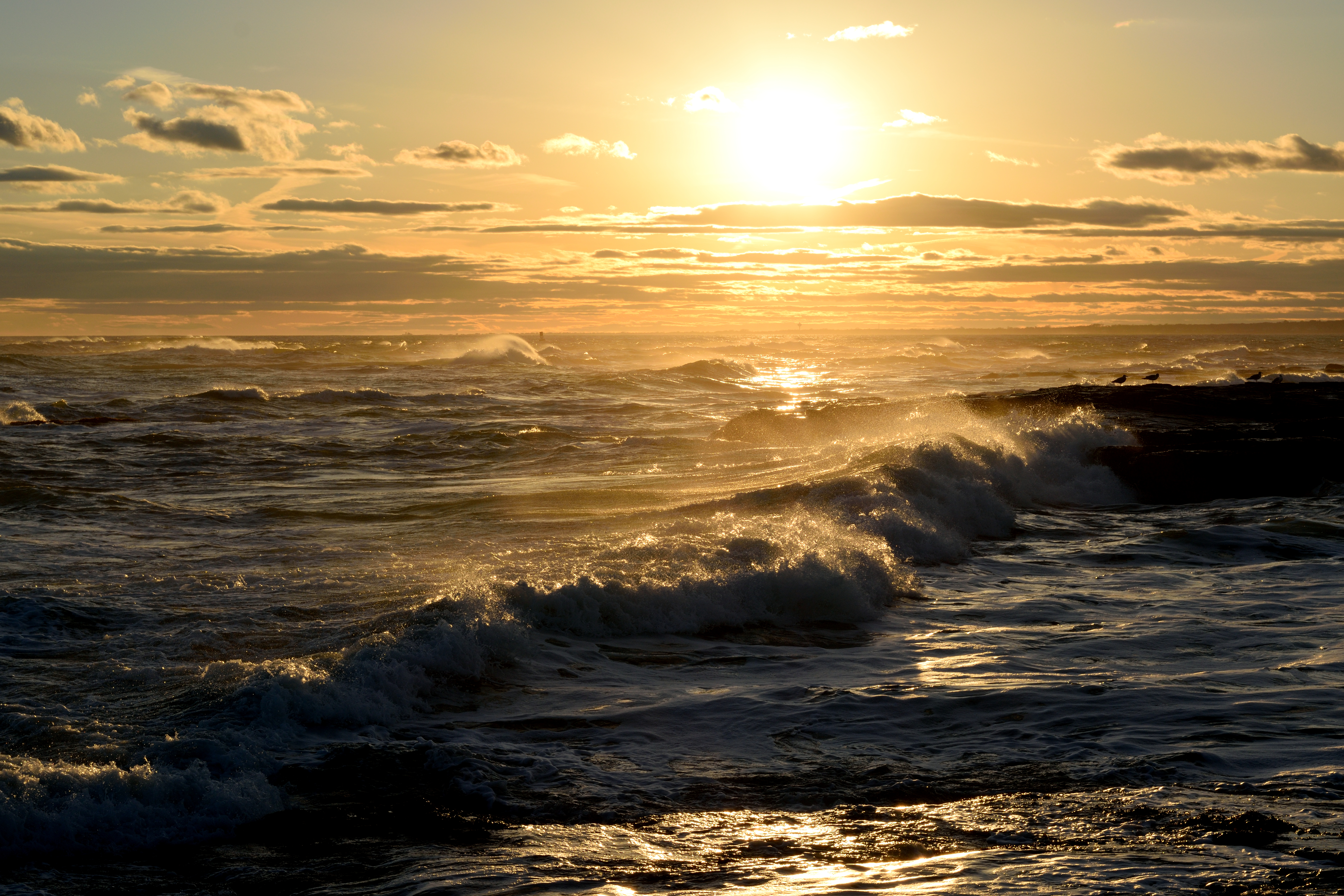 102183 download wallpaper Nature, Sea, Glare, Waves, Sun screensavers and pictures for free
