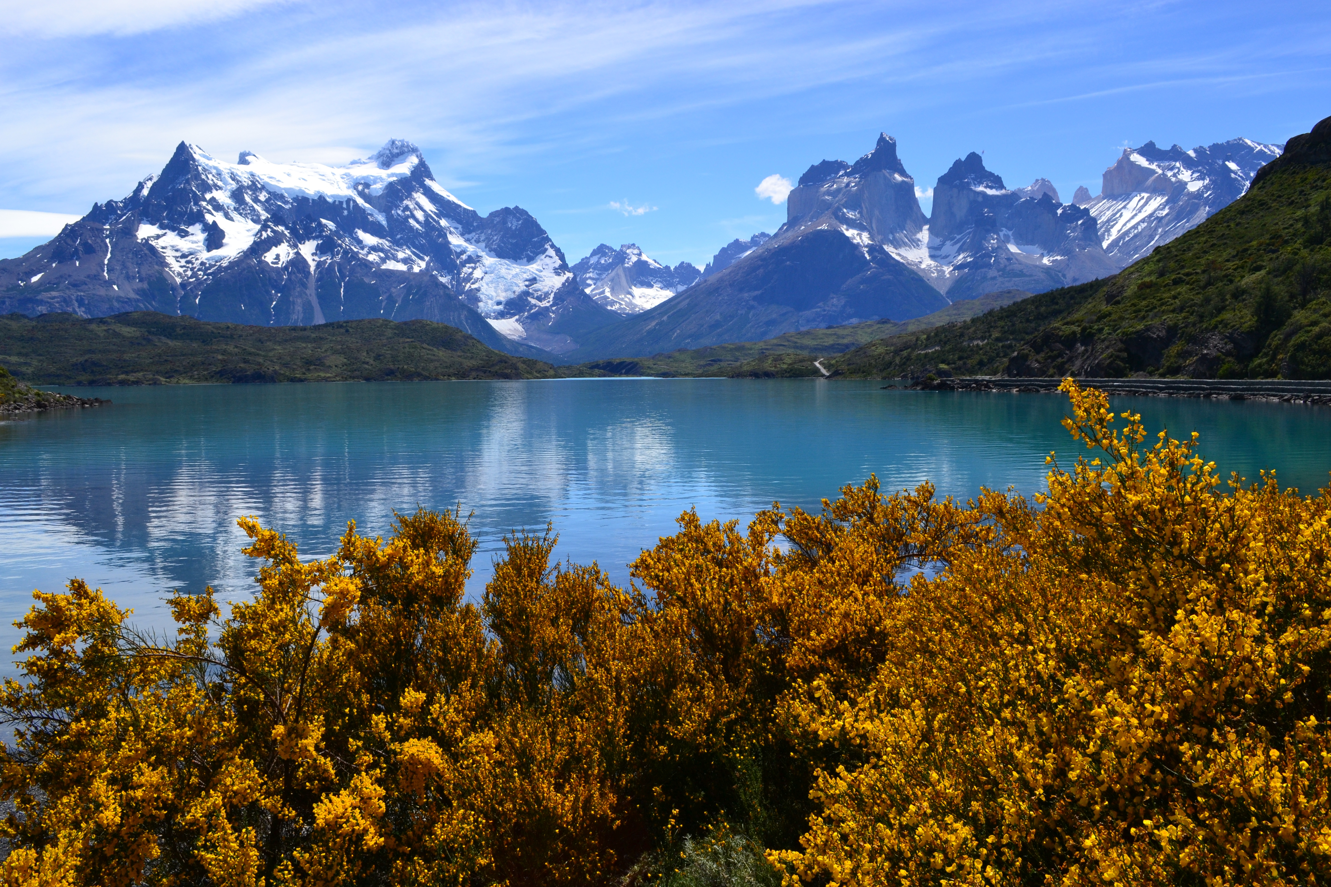 156652 download wallpaper Lake, Nature, Mountains screensavers and pictures for free
