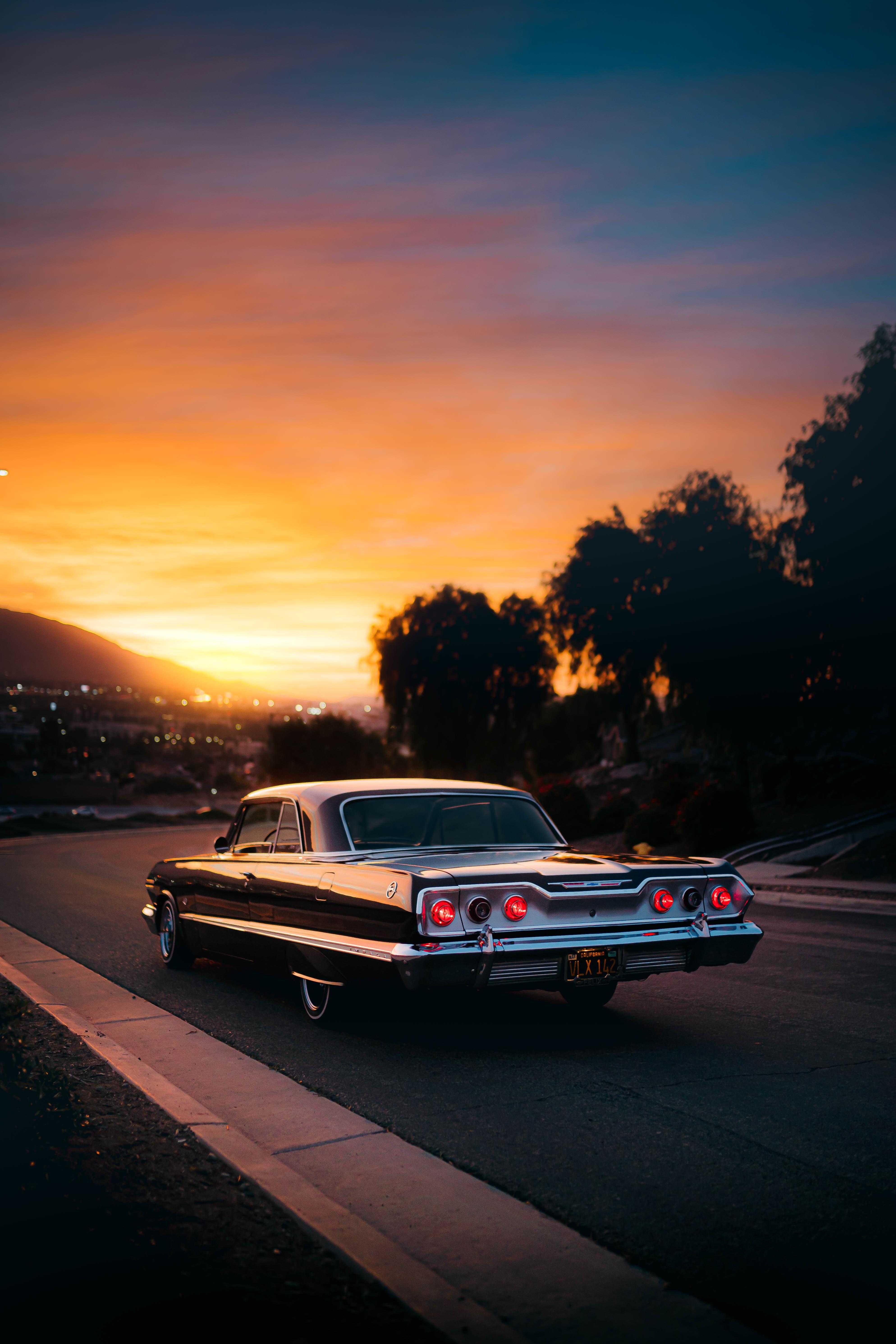 86398 Hintergrundbild herunterladen Auto, Sunset, Cars, Straße, Wagen, Das Schwarze, Alt, Retro - Bildschirmschoner und Bilder kostenlos