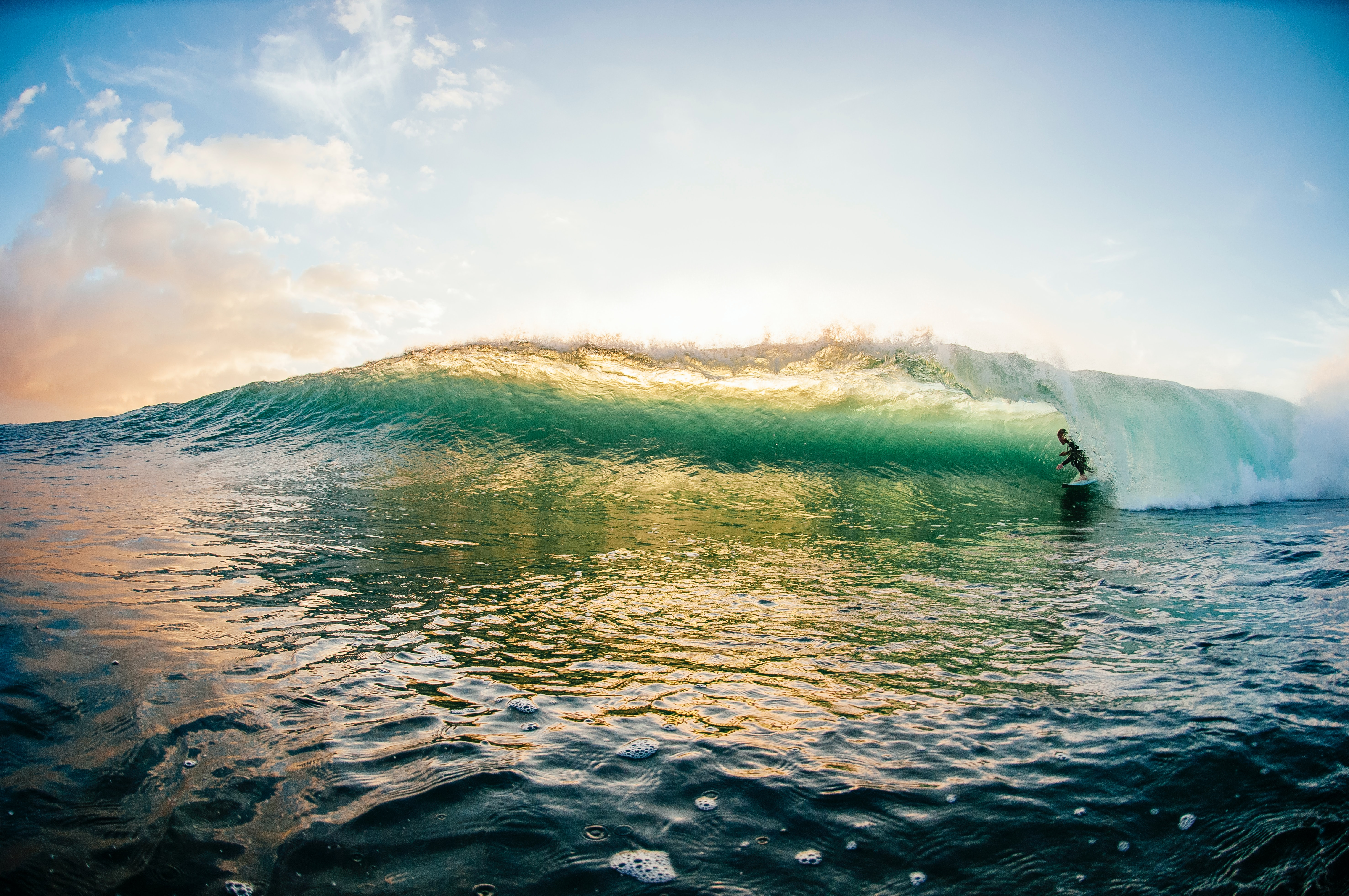 151594 download wallpaper Miscellanea, Miscellaneous, Surfer, Serfing, Wave, Ocean, Sky screensavers and pictures for free