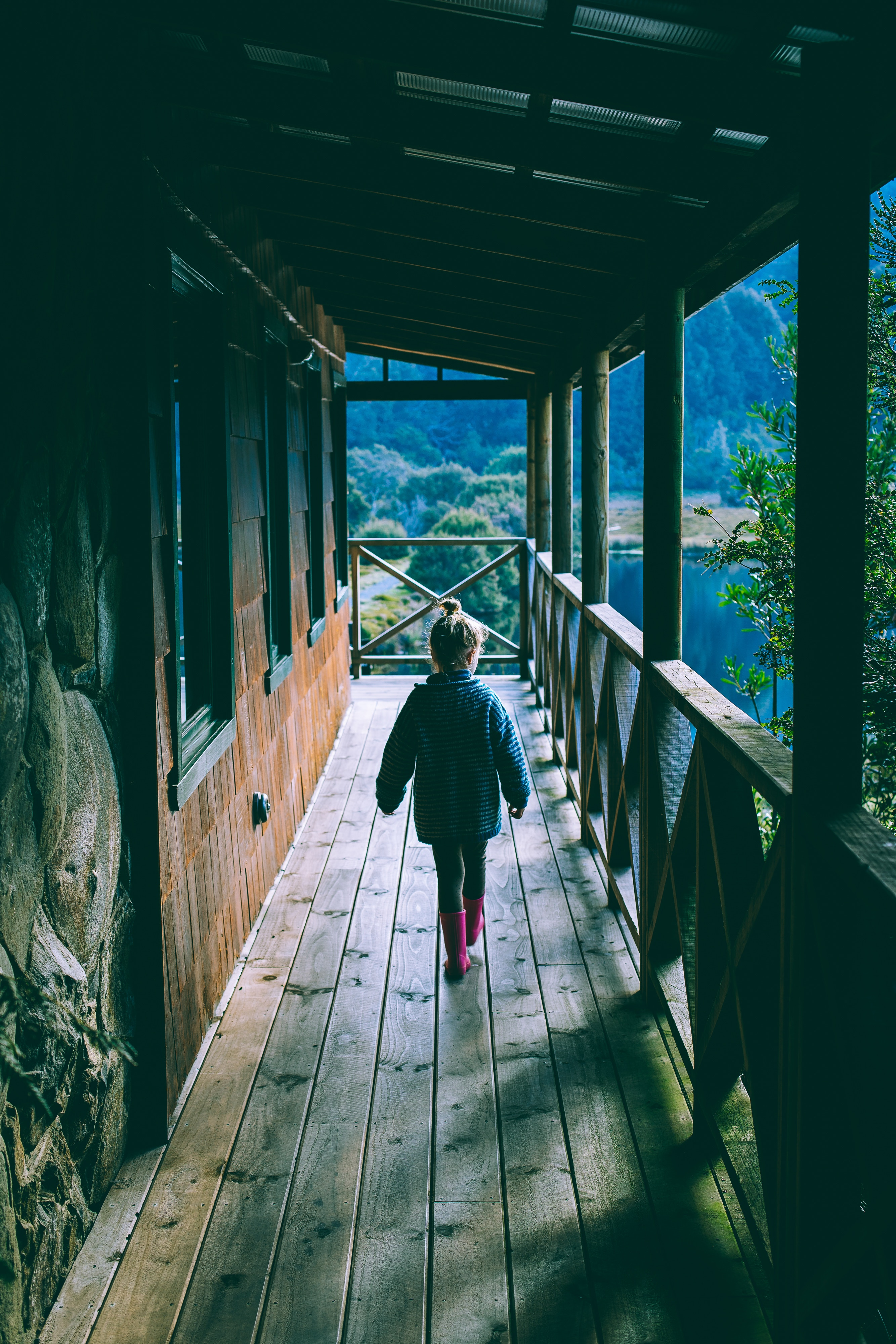 118313 download wallpaper Miscellanea, Miscellaneous, Child, Girl, Terrace, Stroll, House screensavers and pictures for free