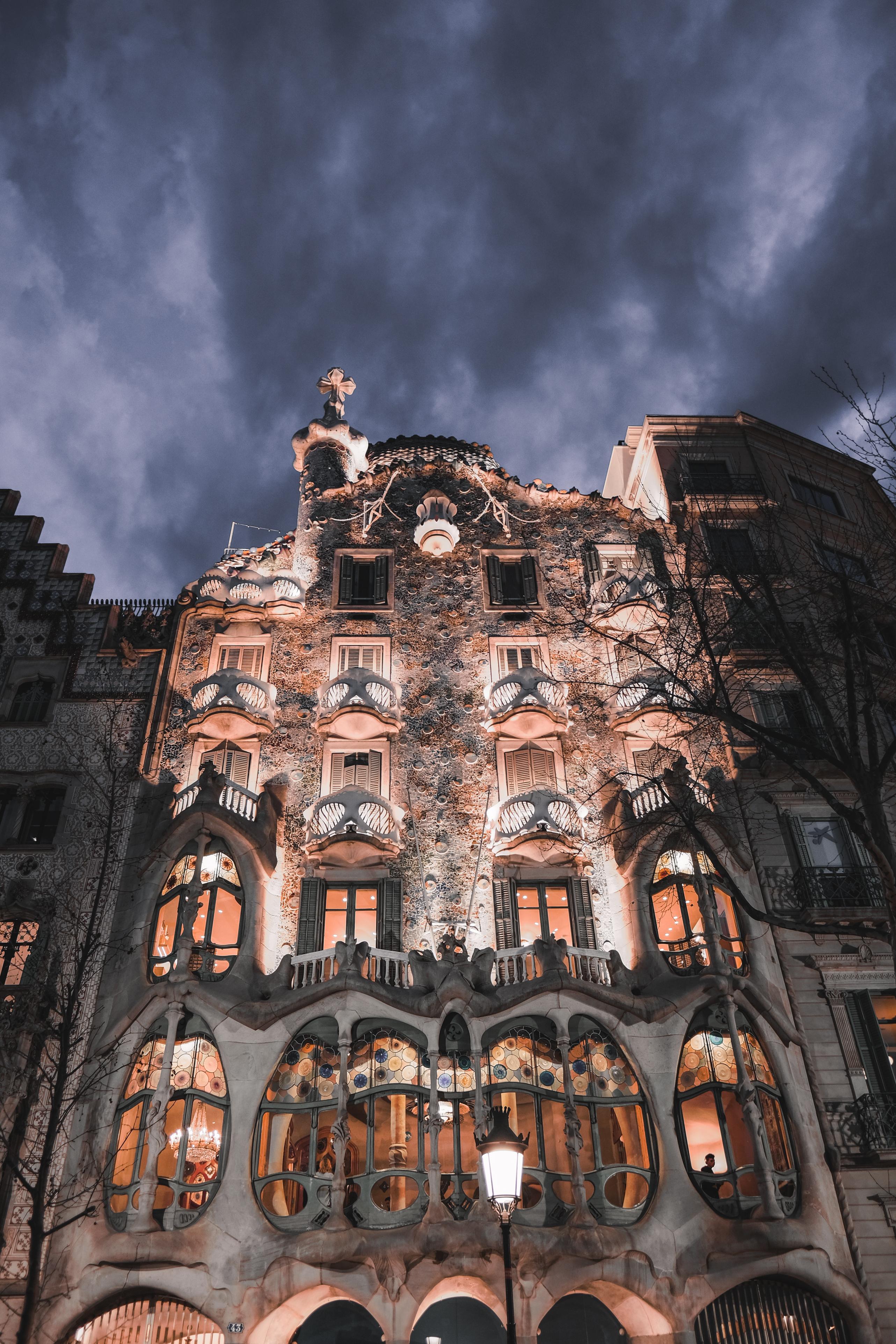 119101 baixar papel de parede Cidades, Arquitetura, Barcelona, Prédio, Edifício, Fachada, Espanha, Casa Batlló, Casa De Balo - protetores de tela e imagens gratuitamente