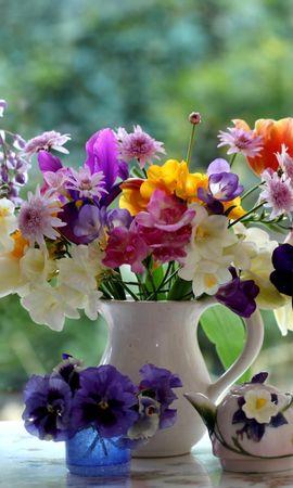 153256 télécharger le fond d'écran Fleurs, Freesia, Glycine, Cruche, Porcelaine, Tulipes, Culottes, Bouquets - économiseurs d'écran et images gratuitement