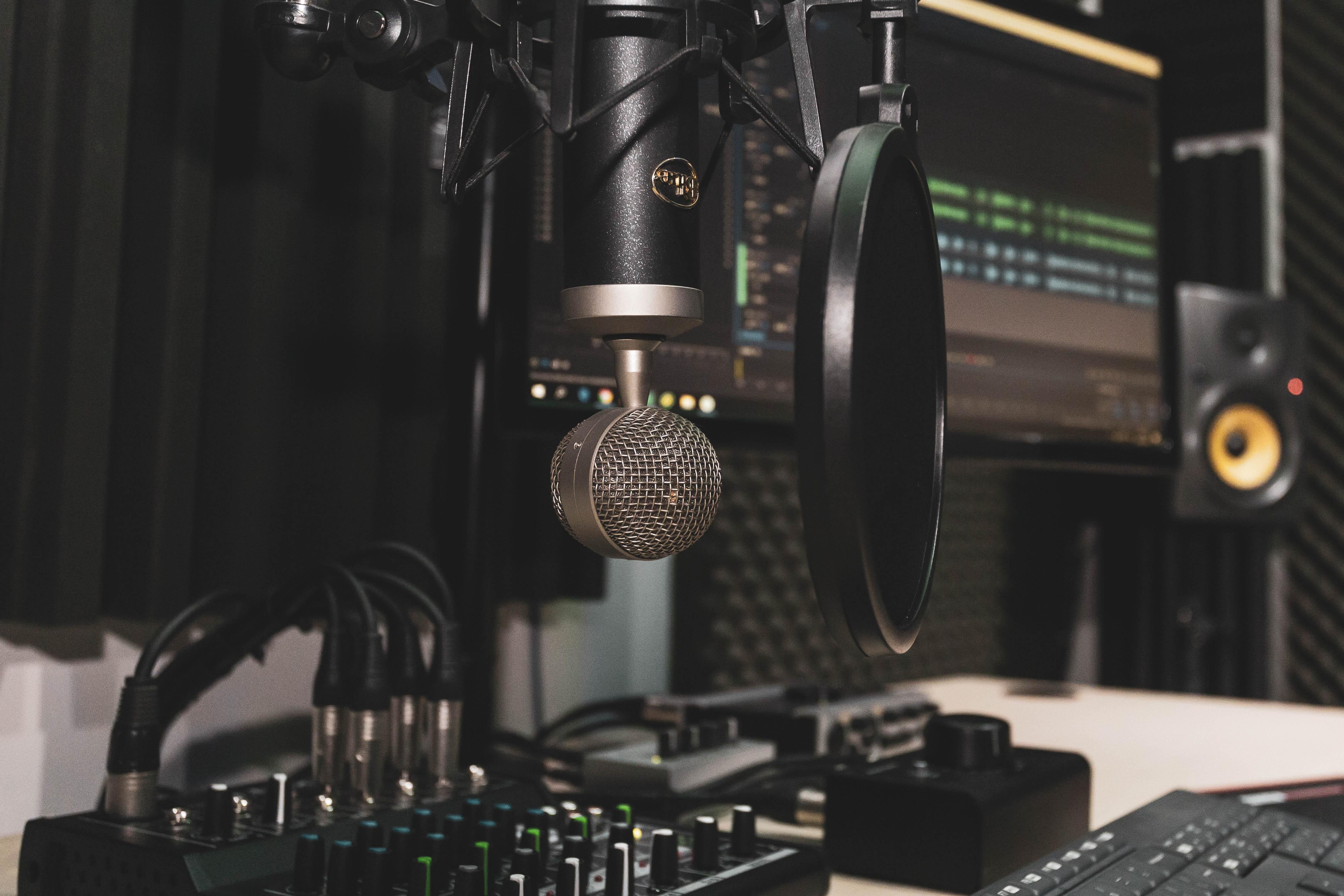 149879 Protetores de tela e papéis de parede Música em seu telefone. Baixe Música, Microfone, Estúdio De Gravação, Mixer, Batedeira, Controle Remoto, Mesa, Equalizador, Acústica, Equipamento, Aparelho fotos gratuitamente