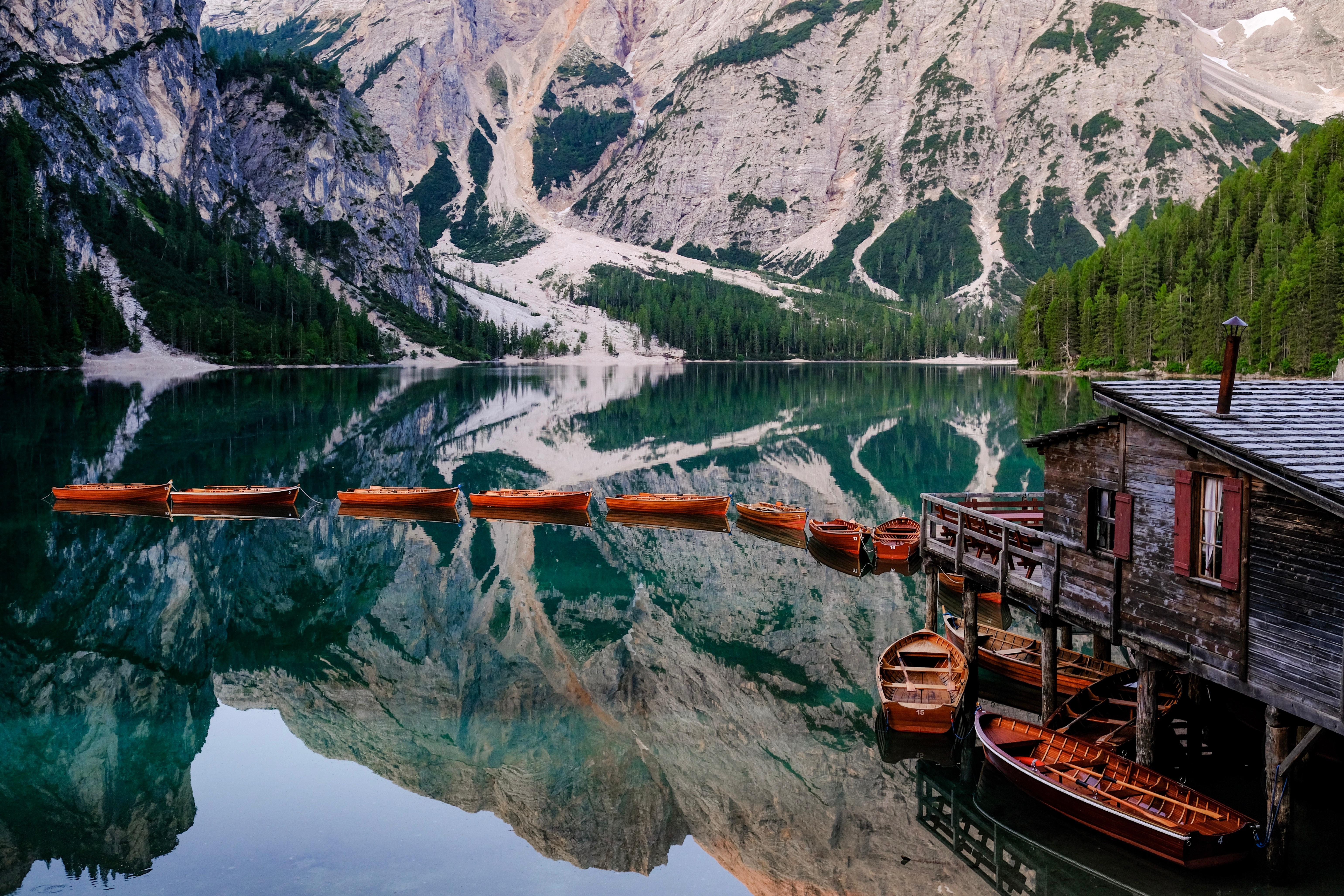 94984 Заставки и Обои Лодки на телефон. Скачать Природа, Озеро, Пирс, Лодки, Горы, Пейзаж картинки бесплатно