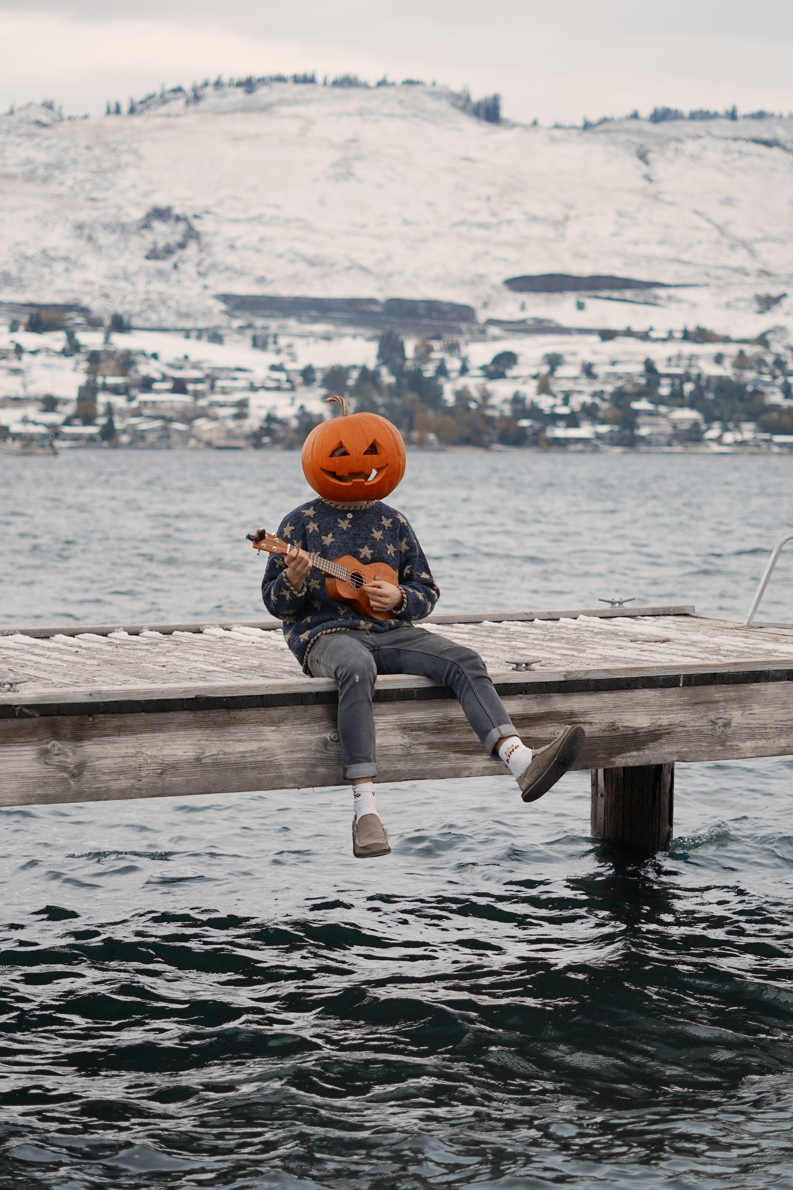 51906 download wallpaper Miscellanea, Miscellaneous, Human, Person, Pumpkin, Ukulele, Halloween, Funny screensavers and pictures for free