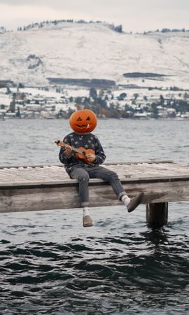 51906 Screensavers and Wallpapers Funny for phone. Download Miscellanea, Miscellaneous, Human, Person, Pumpkin, Ukulele, Halloween, Funny pictures for free