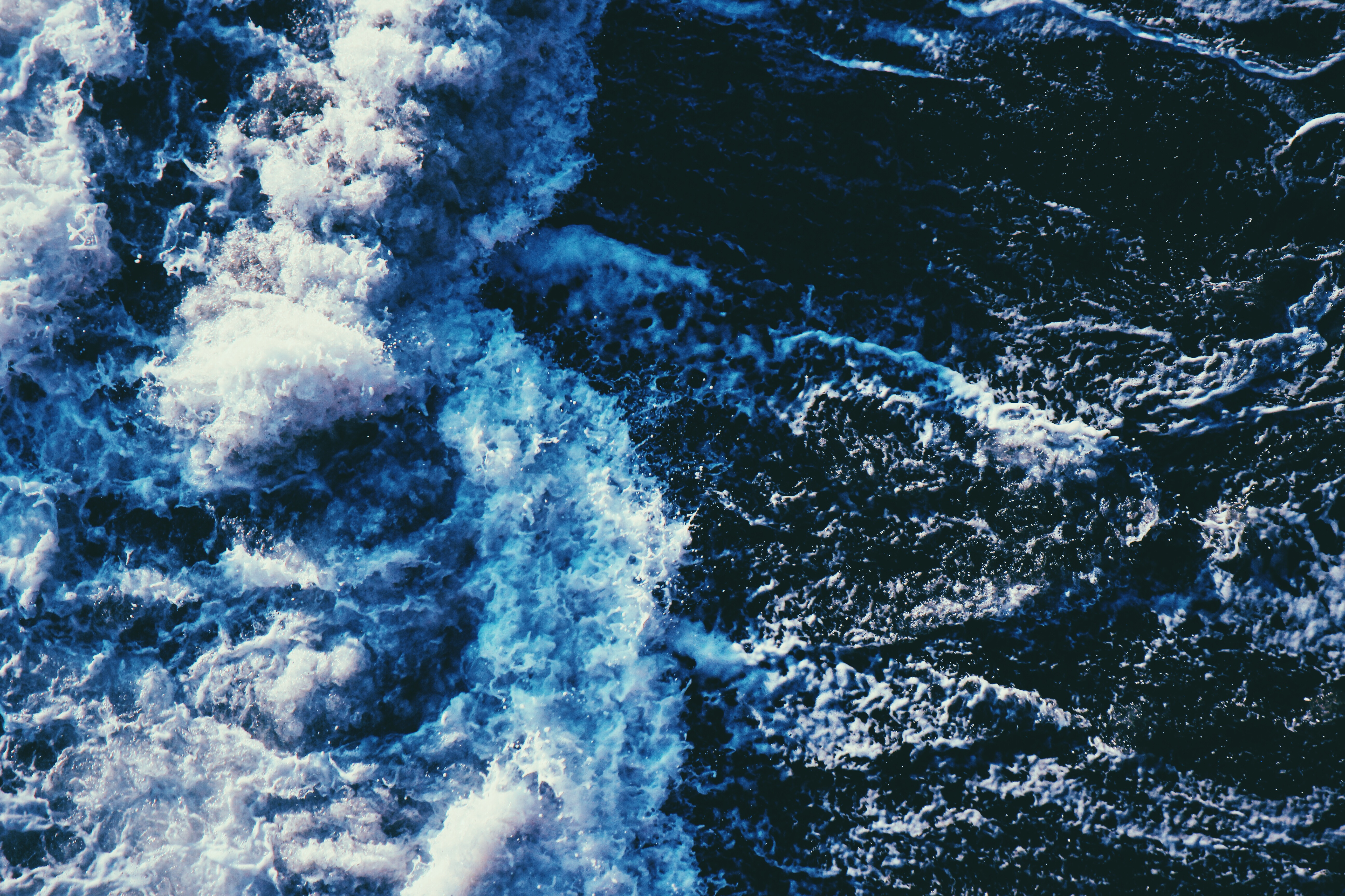 152477 download wallpaper Nature, Spray, Sea, Surf, Waves screensavers and pictures for free
