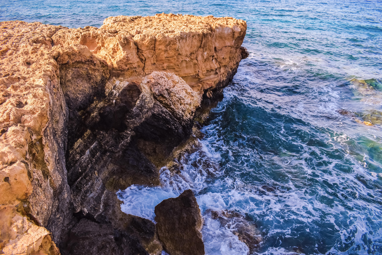 52114 завантажити шпалери Природа, Море, Скеля, Берег, Узбережжя, Мис, Кліфф - заставки і картинки безкоштовно