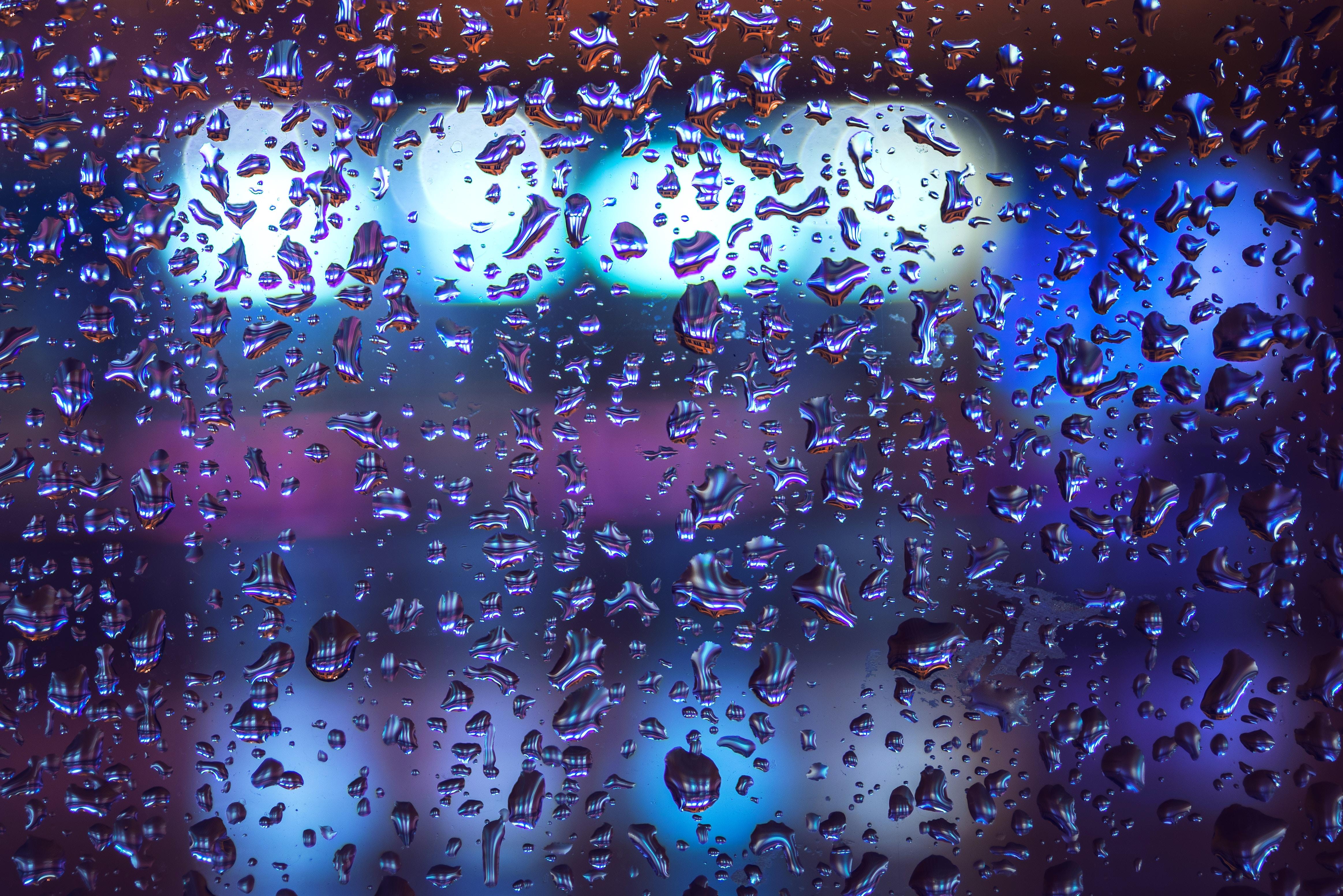 120282 скачать обои Макро, Капли, Стекло, Дождь, Влага, Поверхность, Объем - заставки и картинки бесплатно