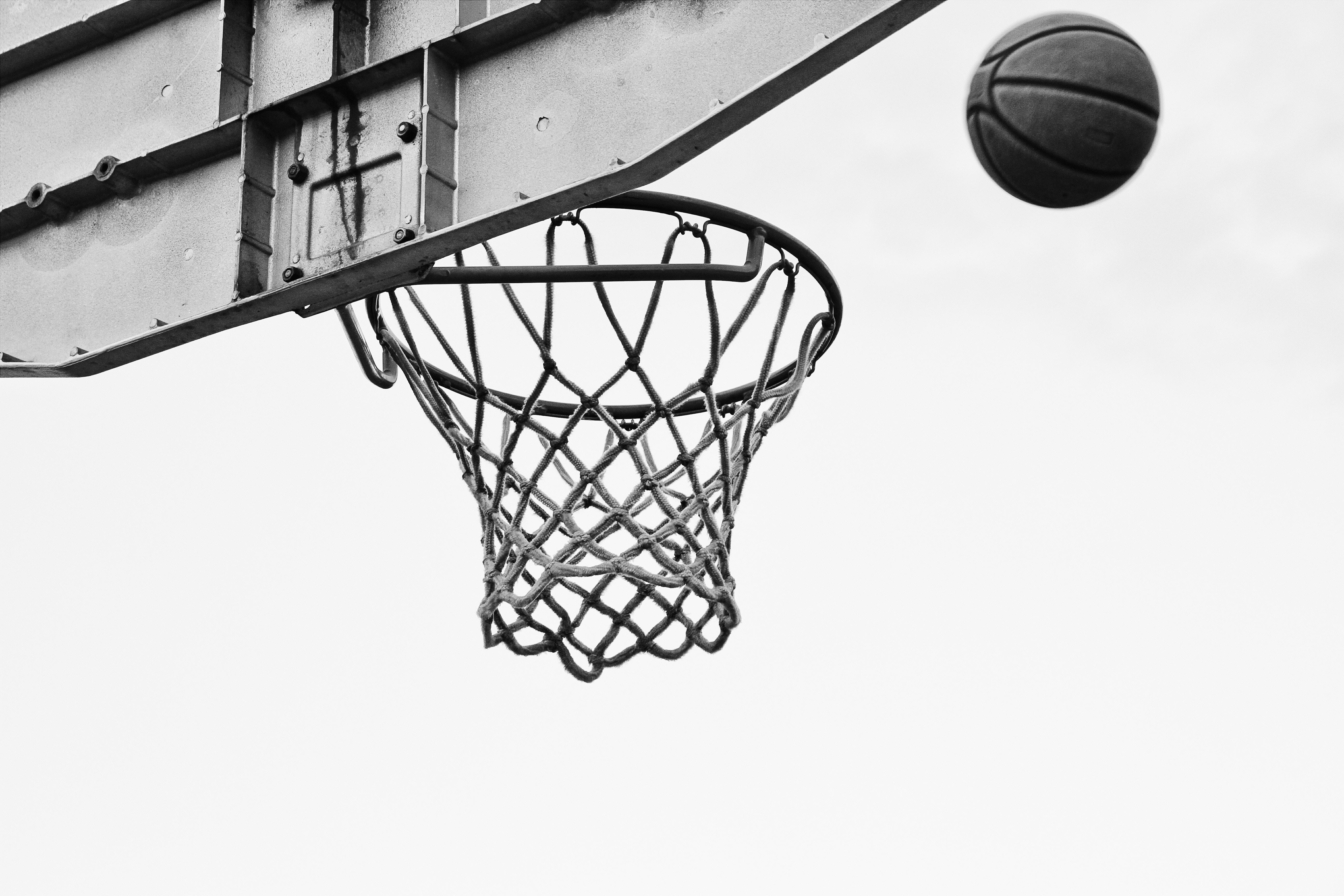 71303 скачать обои Спорт, Баскетбол, Сетка, Кольцо, Чб - заставки и картинки бесплатно