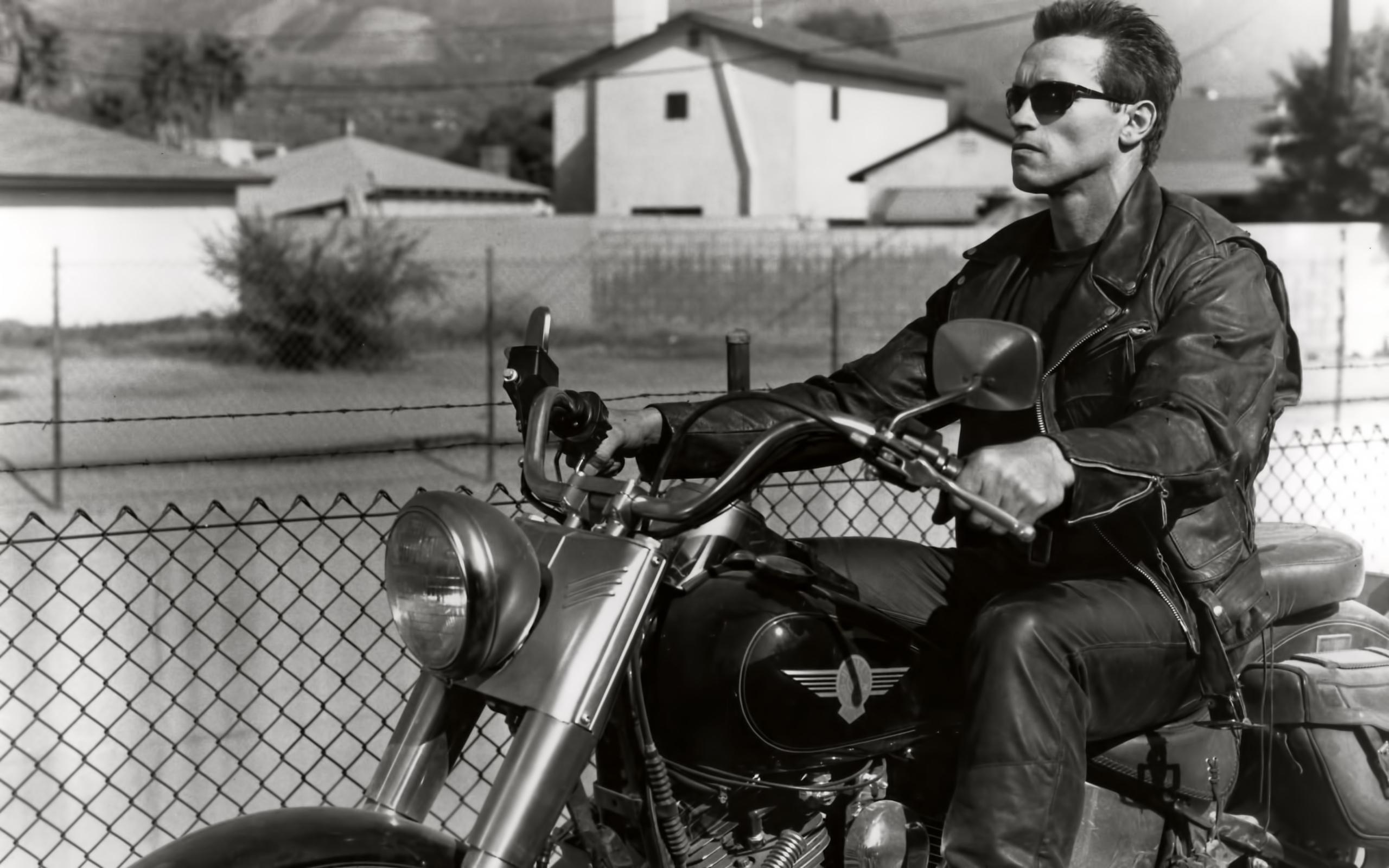24490 Hintergrundbild herunterladen Kino, Menschen, Schauspieler, Männer, Arnold Schwarzenegger, Terminator - Bildschirmschoner und Bilder kostenlos