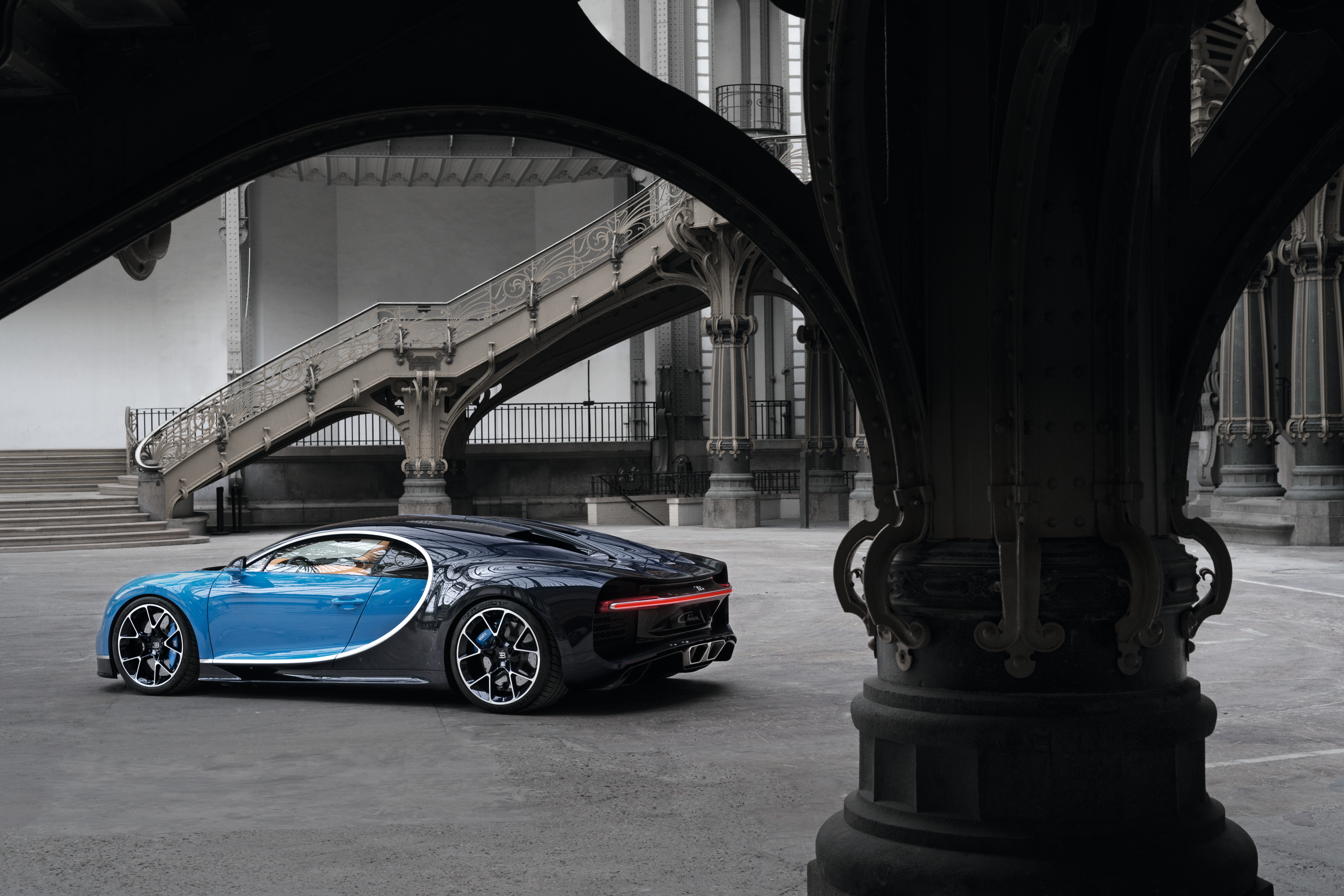 98143 download wallpaper Bugatti, Cars, Side View, Chiron screensavers and pictures for free