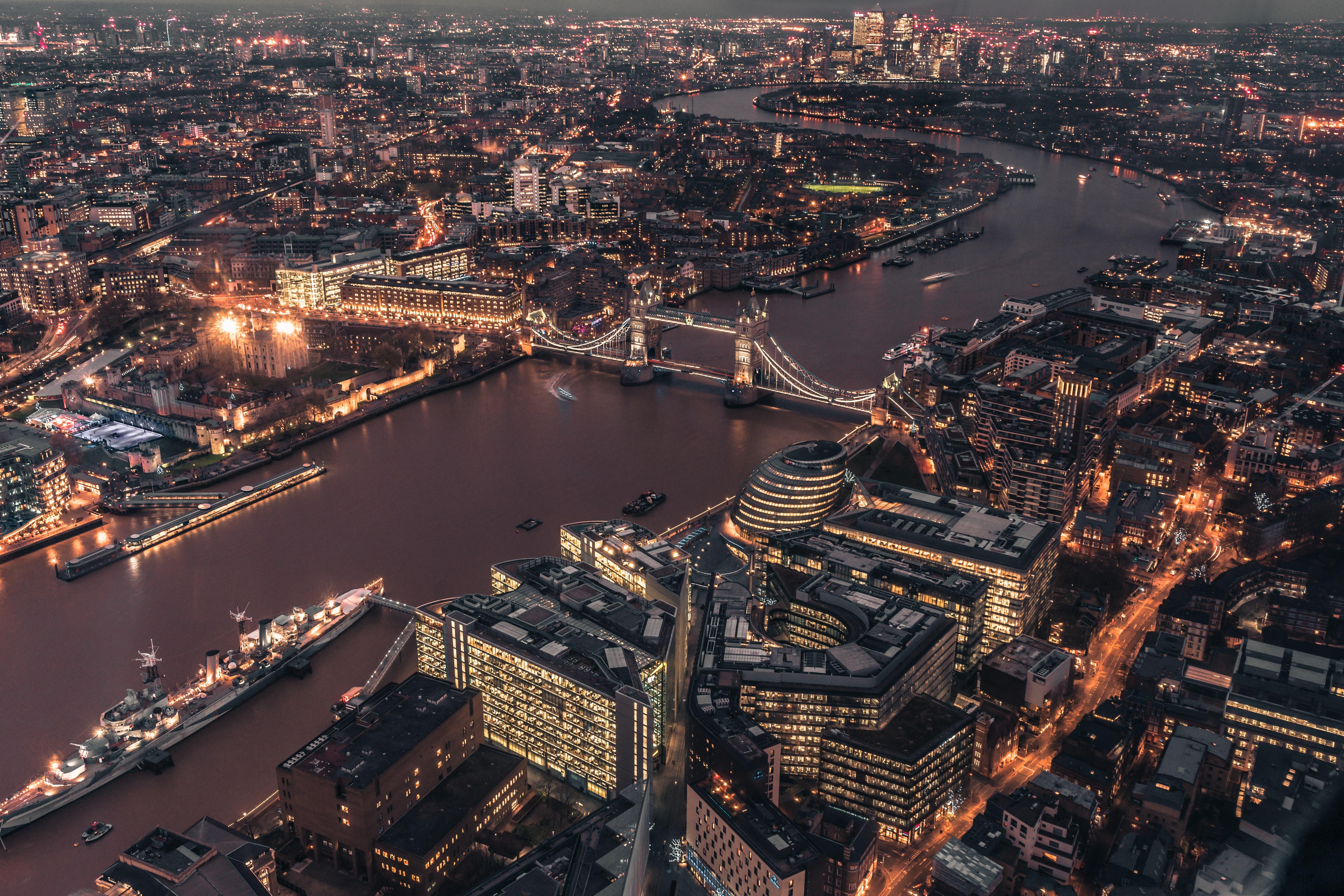 114352 Hintergrundbild herunterladen Städte, Großbritannien, London, Blick Von Oben, Lichter Der Stadt, City Lights, Brücke, Vereinigtes Königreich - Bildschirmschoner und Bilder kostenlos