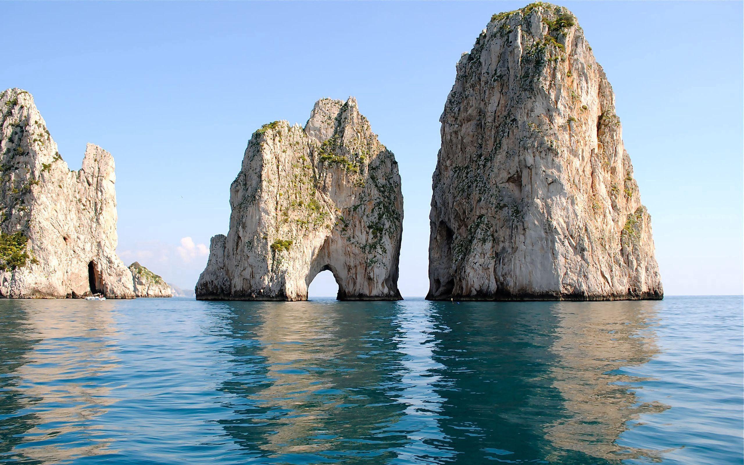 134378 Hintergrundbild herunterladen Stones, Natur, Sea, Sommer, Ufer, Bank - Bildschirmschoner und Bilder kostenlos