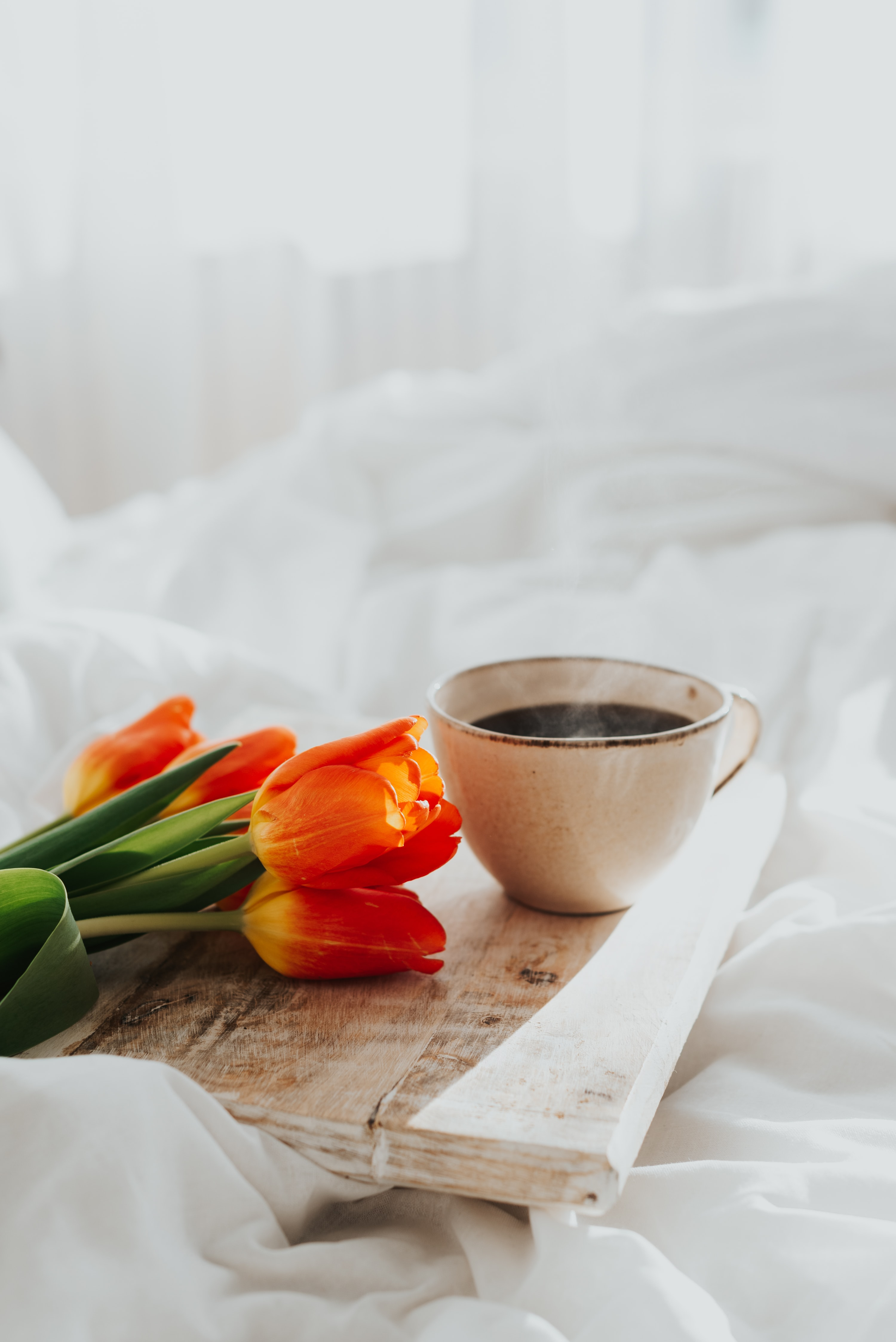 61930 download wallpaper Miscellanea, Miscellaneous, Cup, Mug, Coffee, Breakfast, Flowers, Tulips screensavers and pictures for free