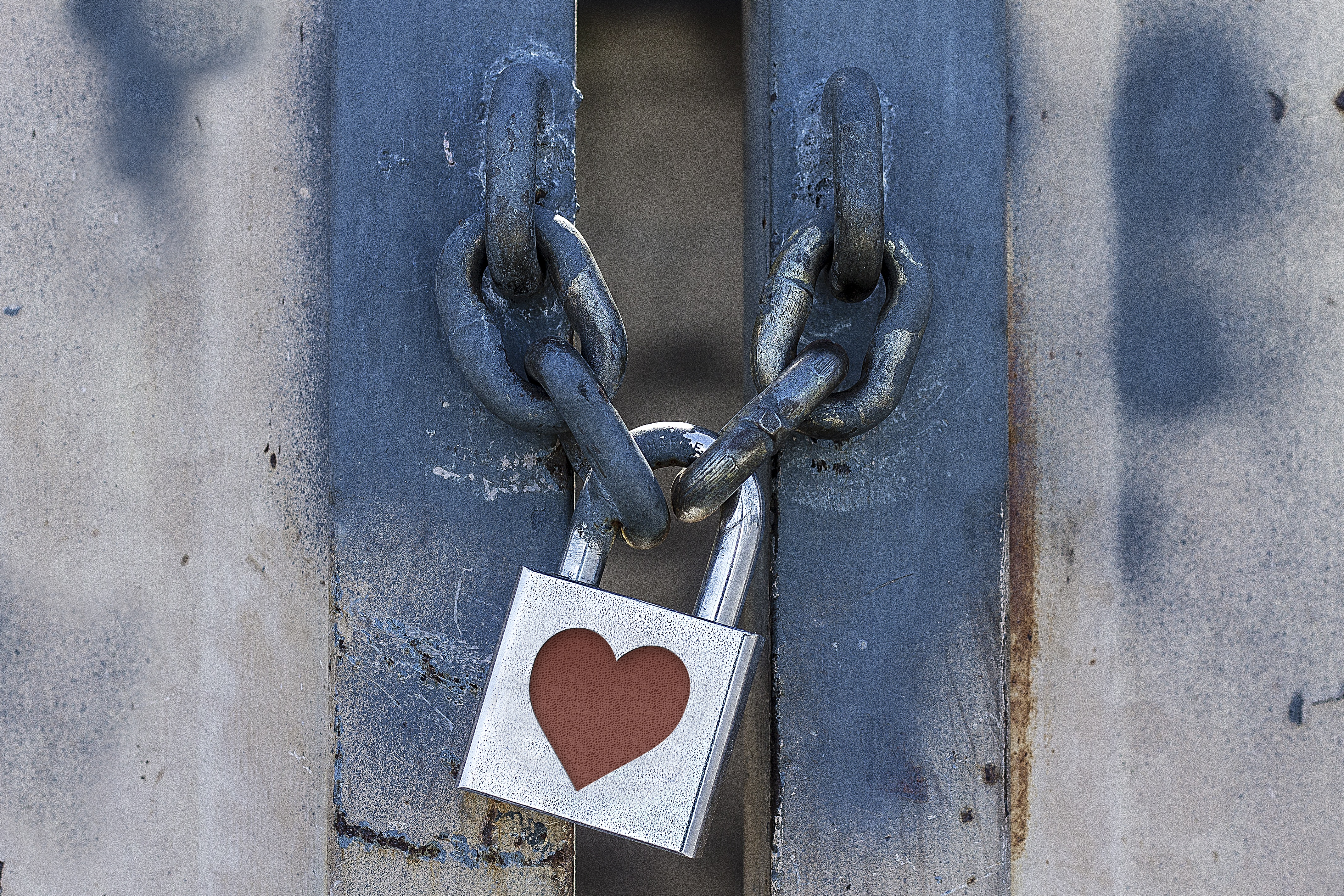 111591 download wallpaper Love, Lock, Heart, Closed, It's Locked, Chain screensavers and pictures for free