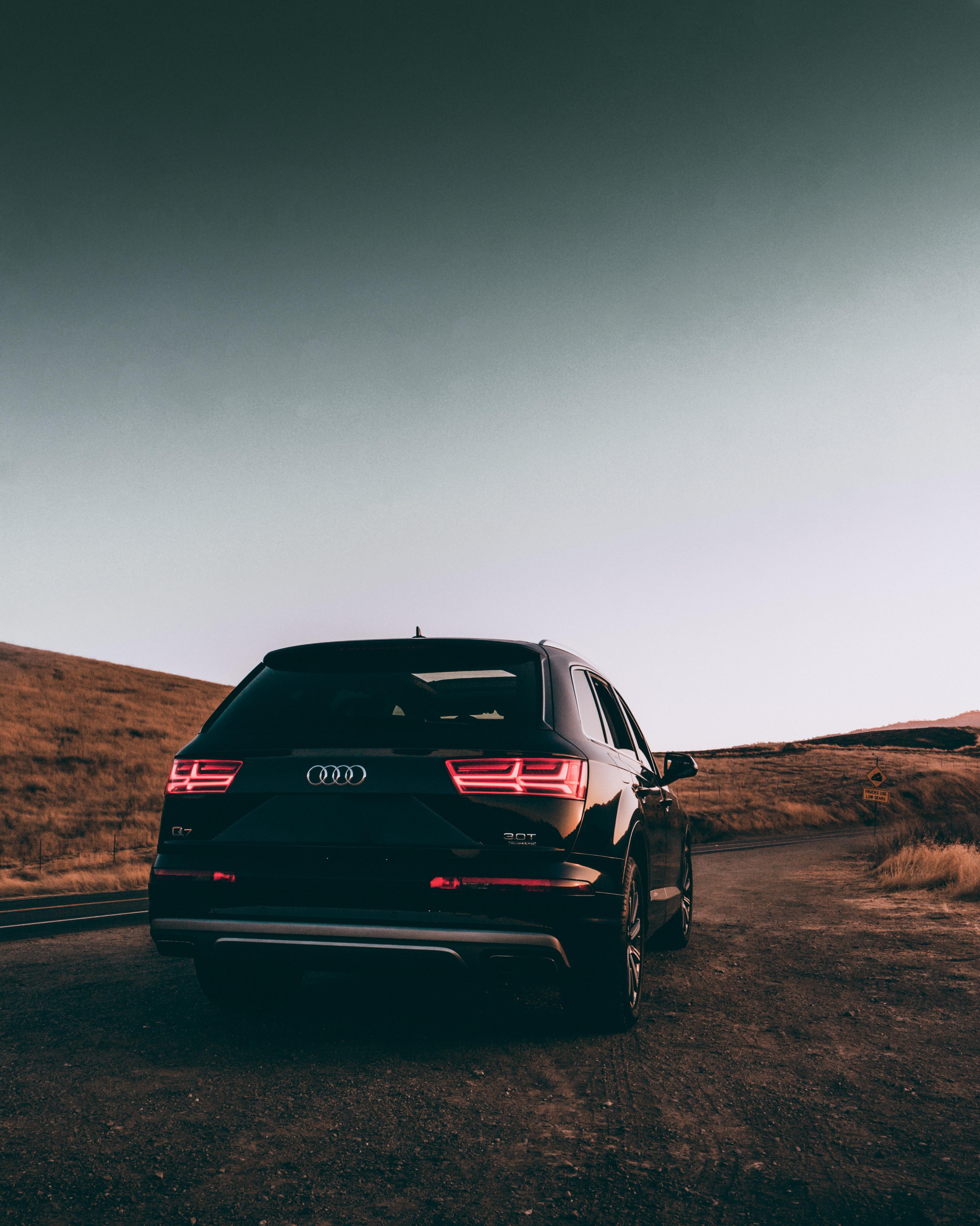 143298 скачать обои Тачки (Cars), Audi Q7, Ауди (Audi), Автомобиль, Внедорожник, Черный, Дорога - заставки и картинки бесплатно