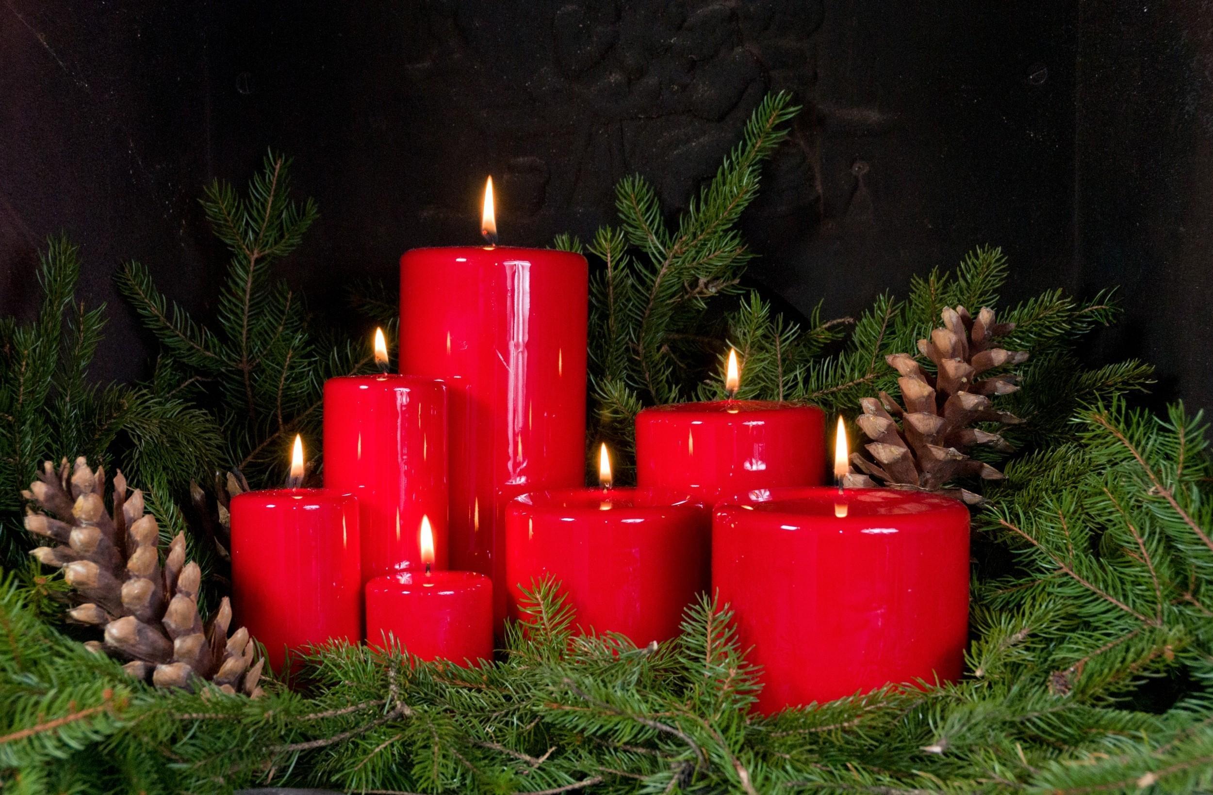 84045 скачать обои Праздники, Новогодние Свечи, Шишки, Ветки, Хвоя - заставки и картинки бесплатно