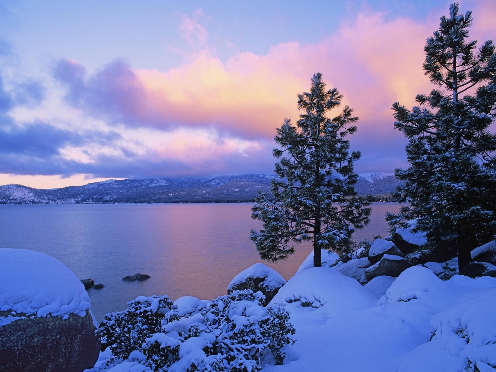 8947 download wallpaper Landscape, Winter, Sky, Fir-Trees, Lakes screensavers and pictures for free