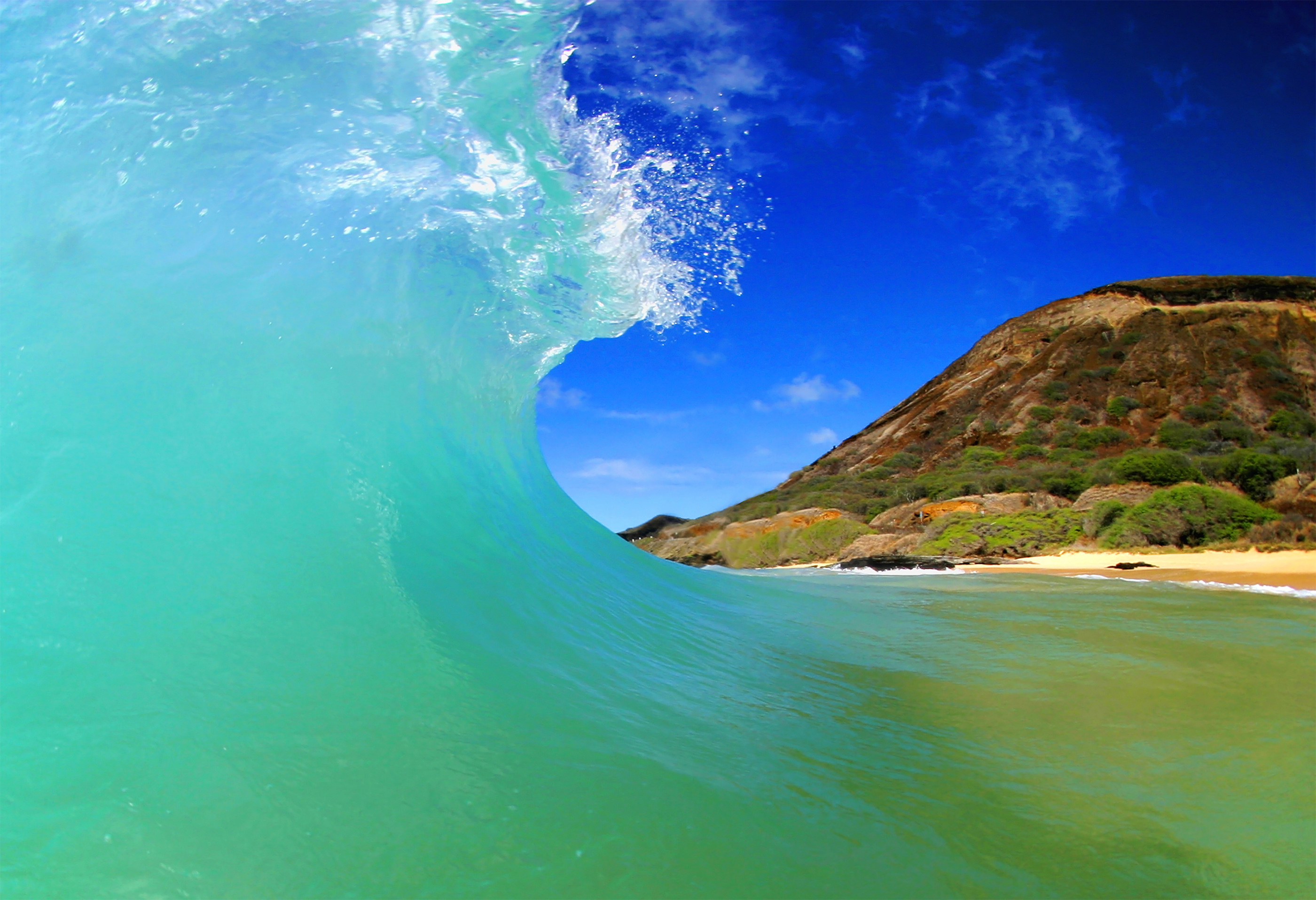 20855 download wallpaper Landscape, Sea, Waves, Beach screensavers and pictures for free