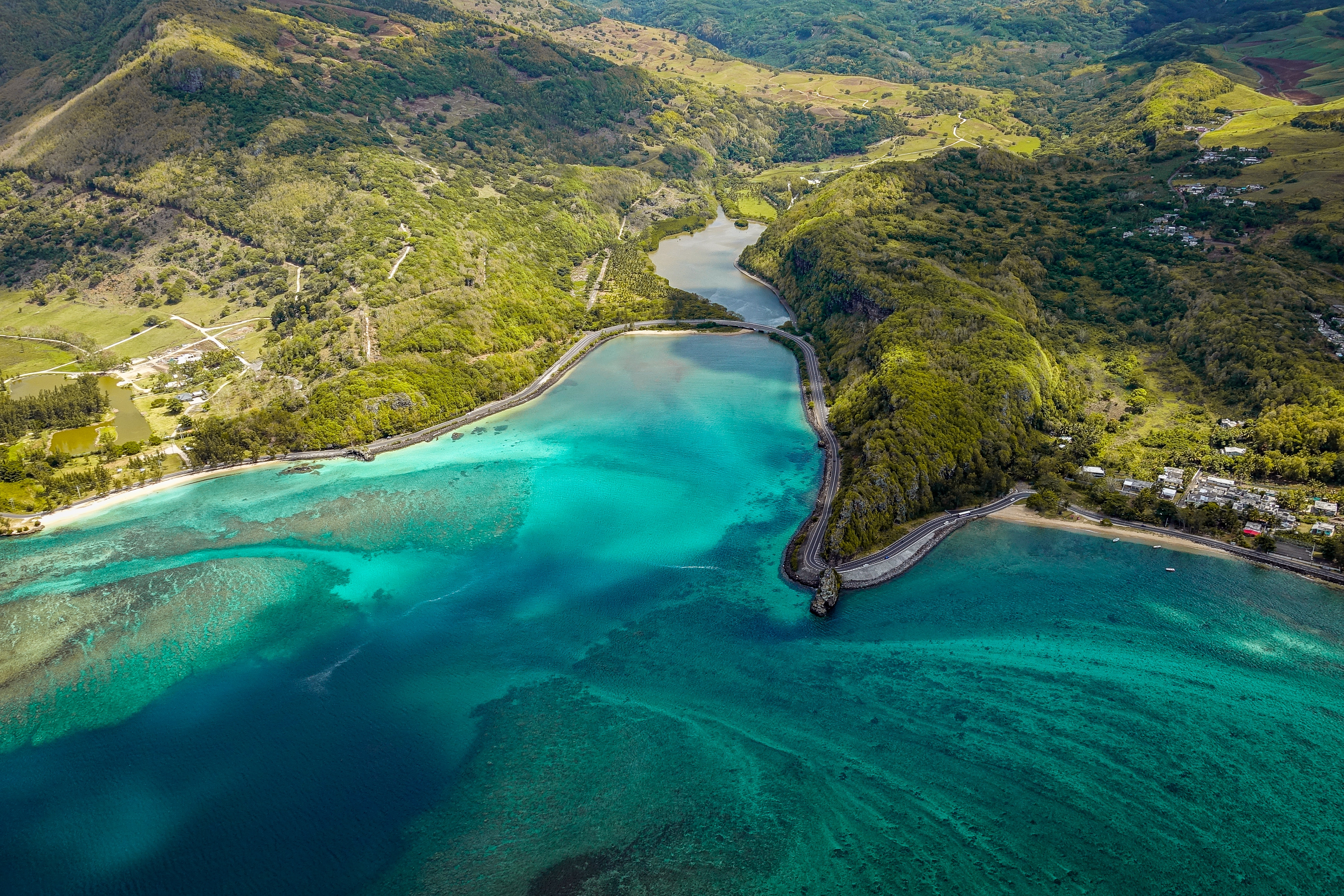 90887 Screensavers and Wallpapers Island for phone. Download Nature, View From Above, Shore, Bank, Ocean, Island, Mauritius, Makonde, Macunde pictures for free