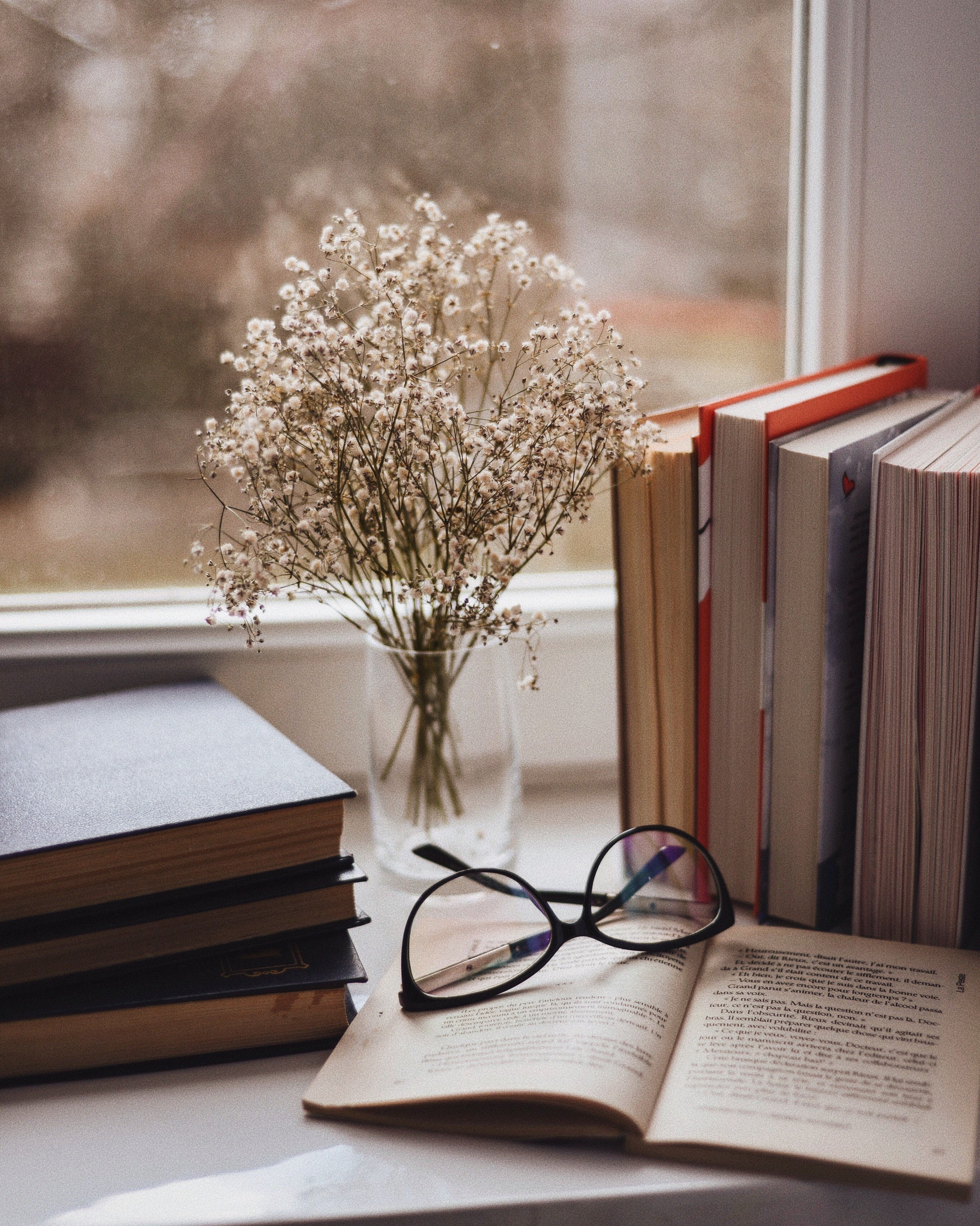 Best Books wallpapers for phone screen