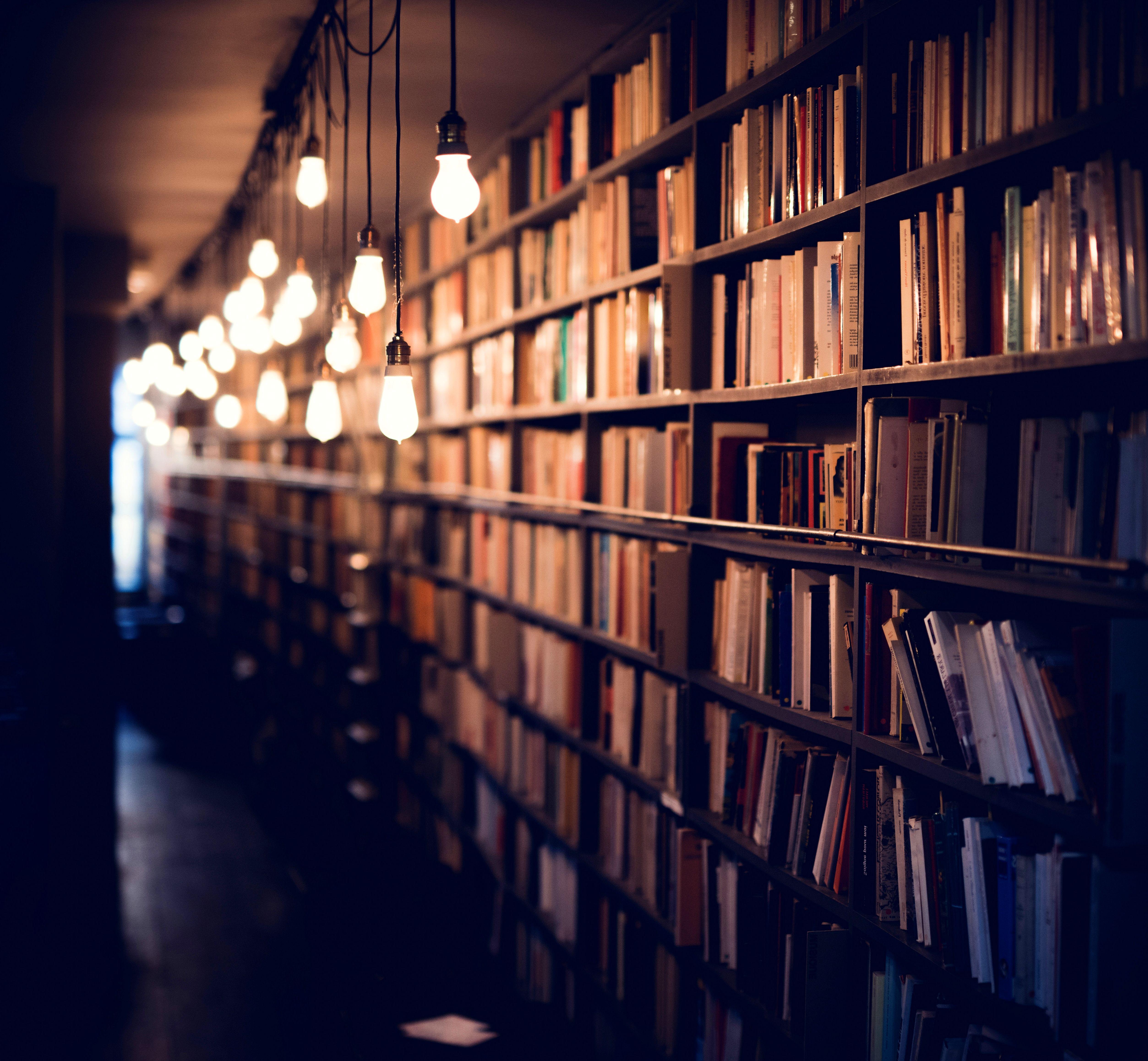 52584 Hintergrundbild herunterladen Bücher, Verschiedenes, Sonstige, Beleuchtung, Bibliothek, Regale - Bildschirmschoner und Bilder kostenlos