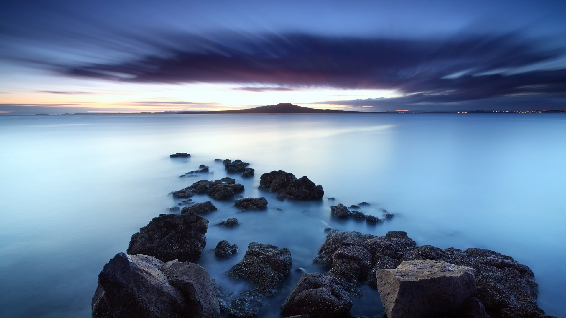 31681 download wallpaper Landscape, Mountains, Sea screensavers and pictures for free