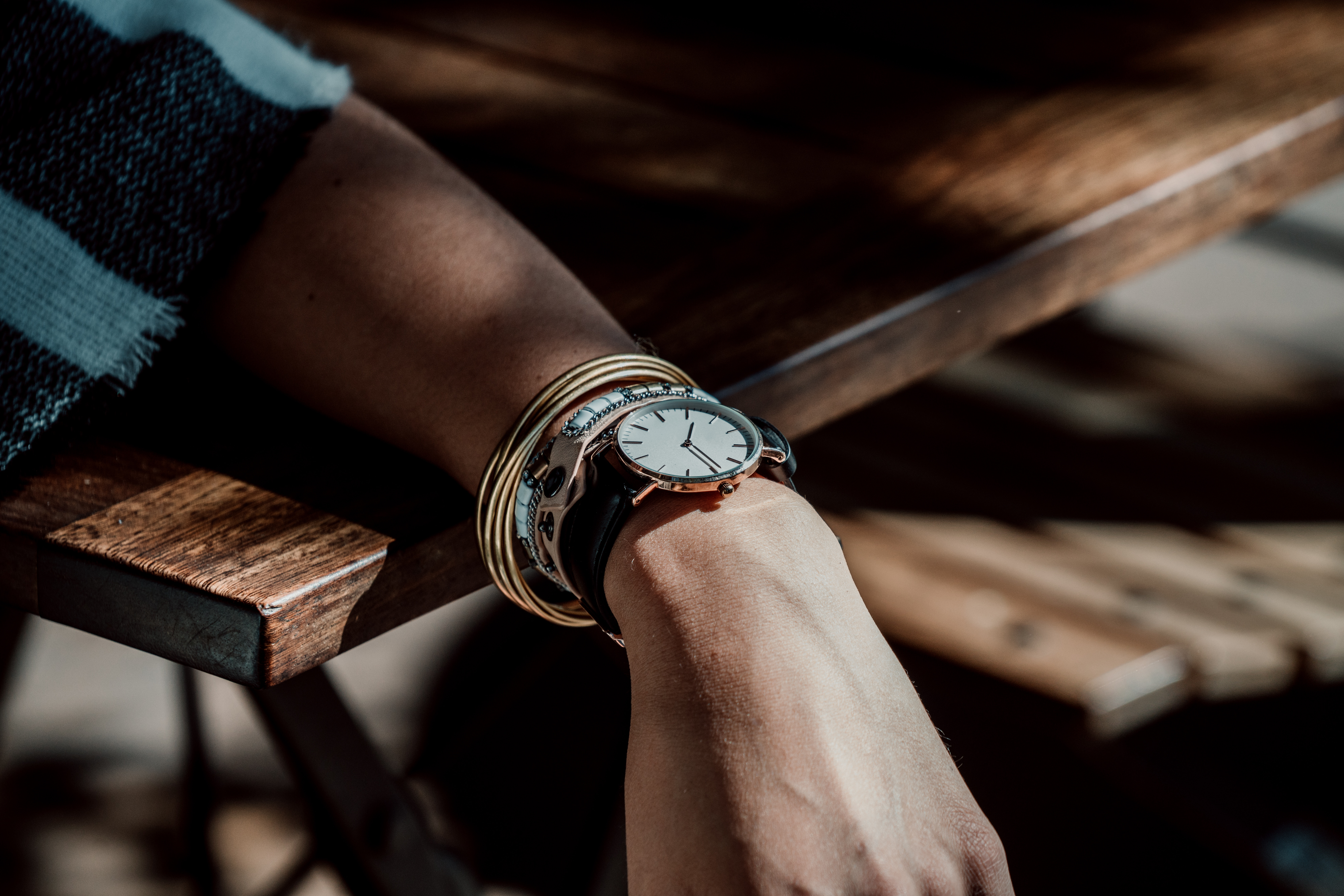 142023 Screensavers and Wallpapers Wrist Watch for phone. Download Hand, Miscellanea, Miscellaneous, Wrist Watch, Wristwatch, Bracelets pictures for free