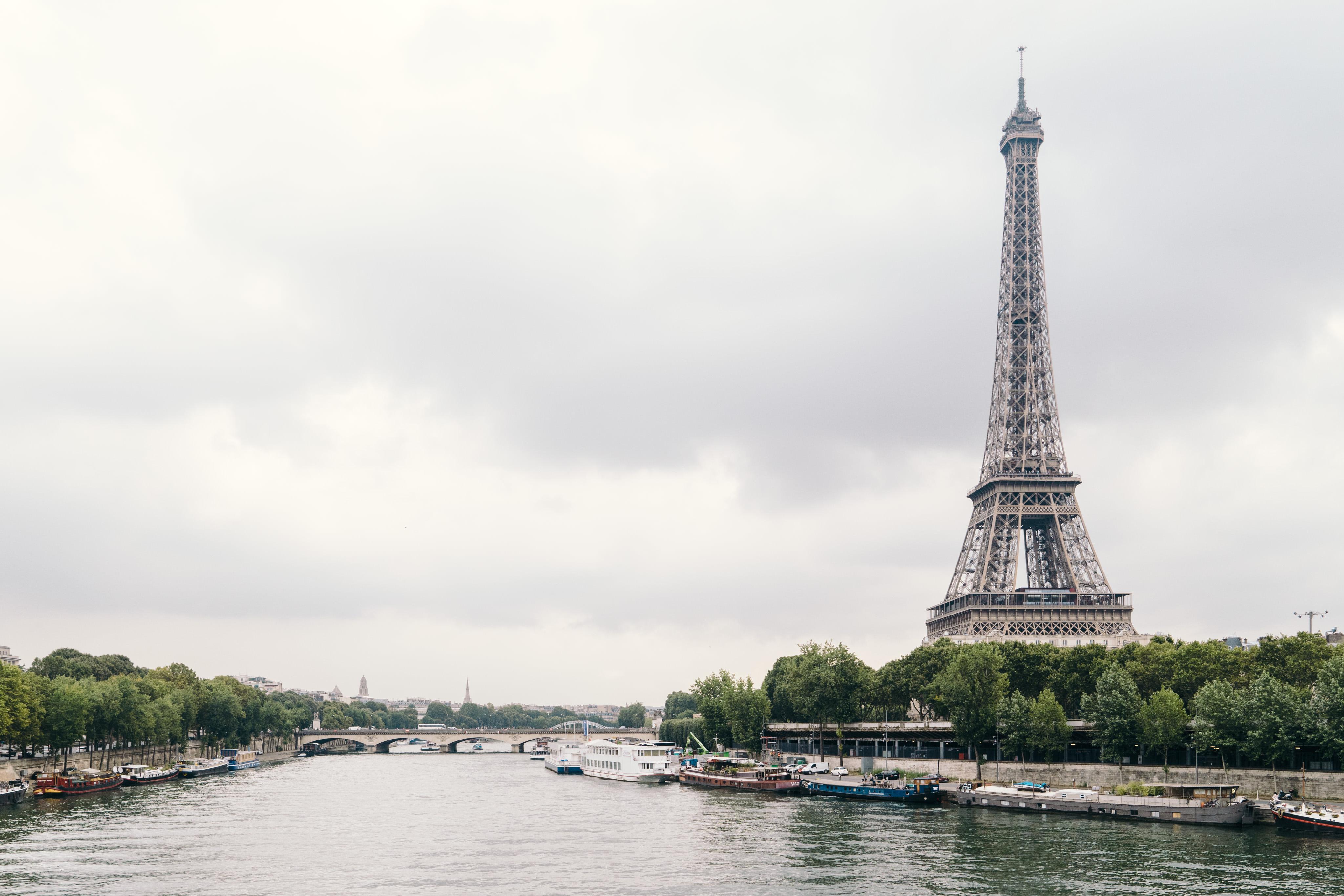 132867 télécharger le fond d'écran Paris, France, Rivières, L'architecture, Villes, Tour Eiffel - économiseurs d'écran et images gratuitement