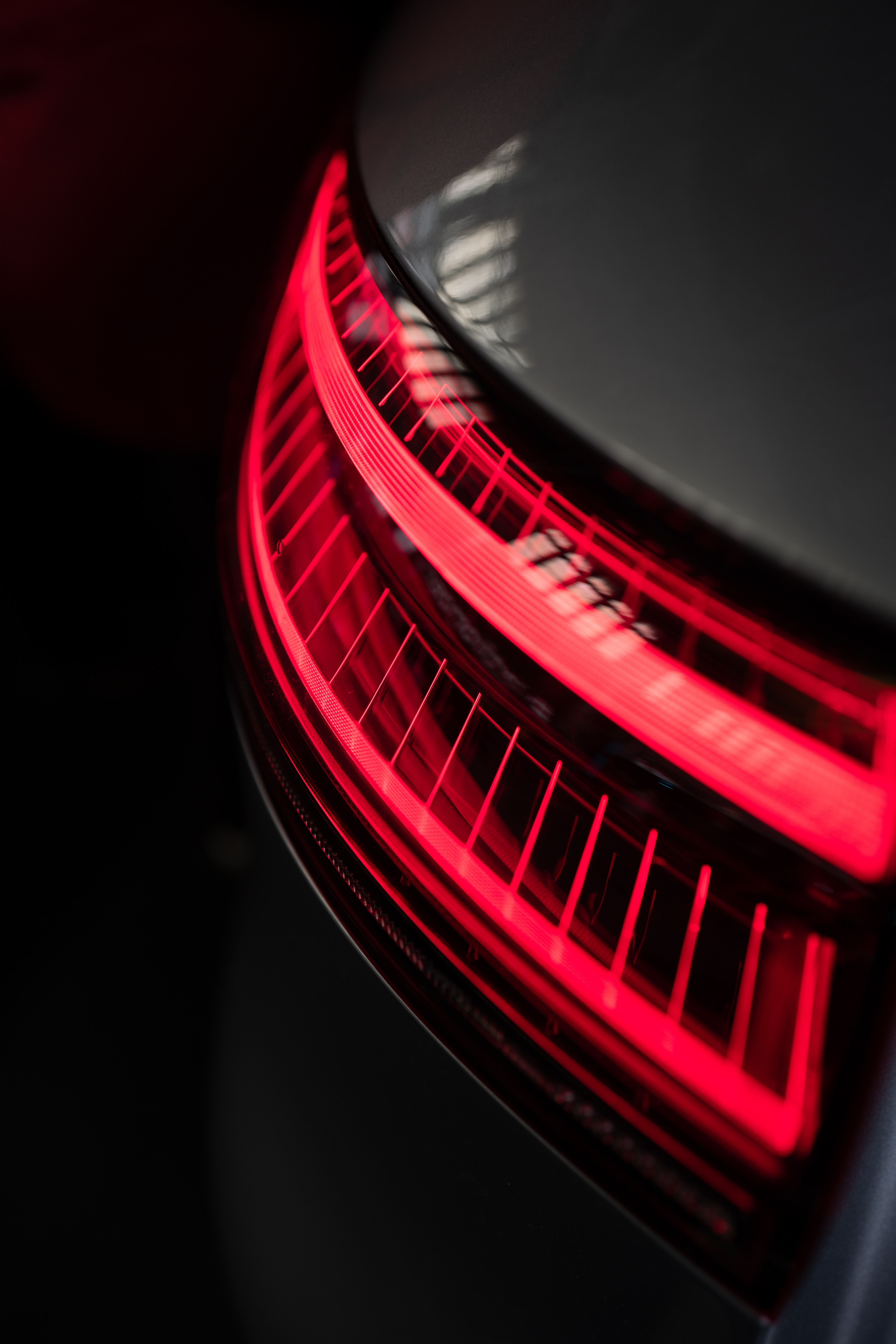 65760 download wallpaper Miscellanea, Miscellaneous, Lamp, Lantern, Back Light, Taillight, Optics, Close-Up, Car screensavers and pictures for free