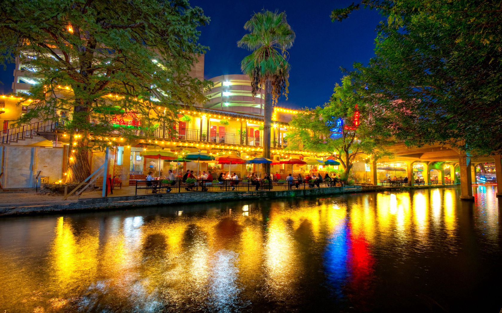 104274 download wallpaper San Antonio, Texas, Cafe, Café, People, Reflection, Evening, Cities screensavers and pictures for free