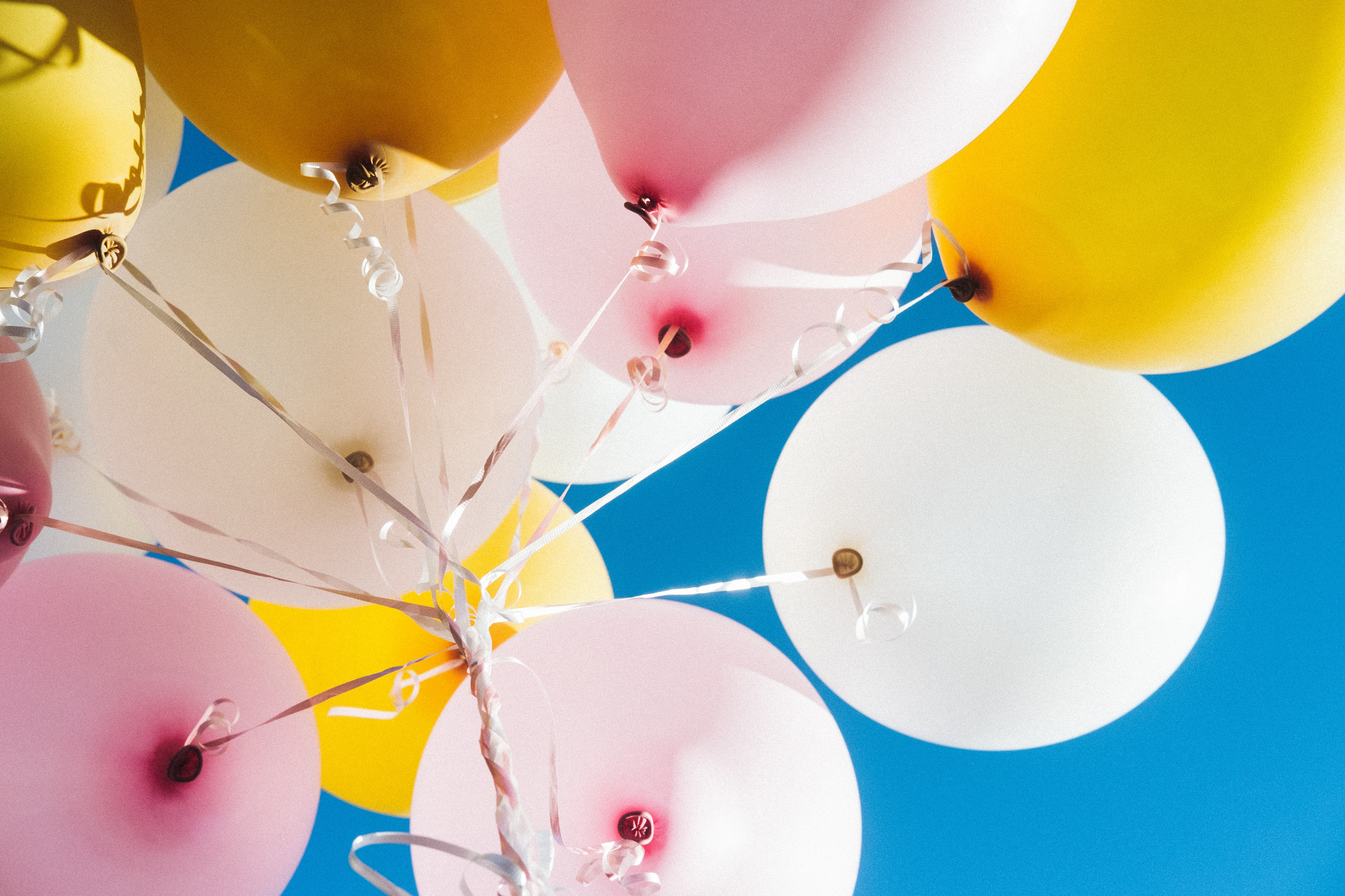 128151 Screensavers and Wallpapers Balloons for phone. Download Sky, Balloons, Miscellanea, Miscellaneous, Multicolored, Motley, Flight, Air Balloons pictures for free