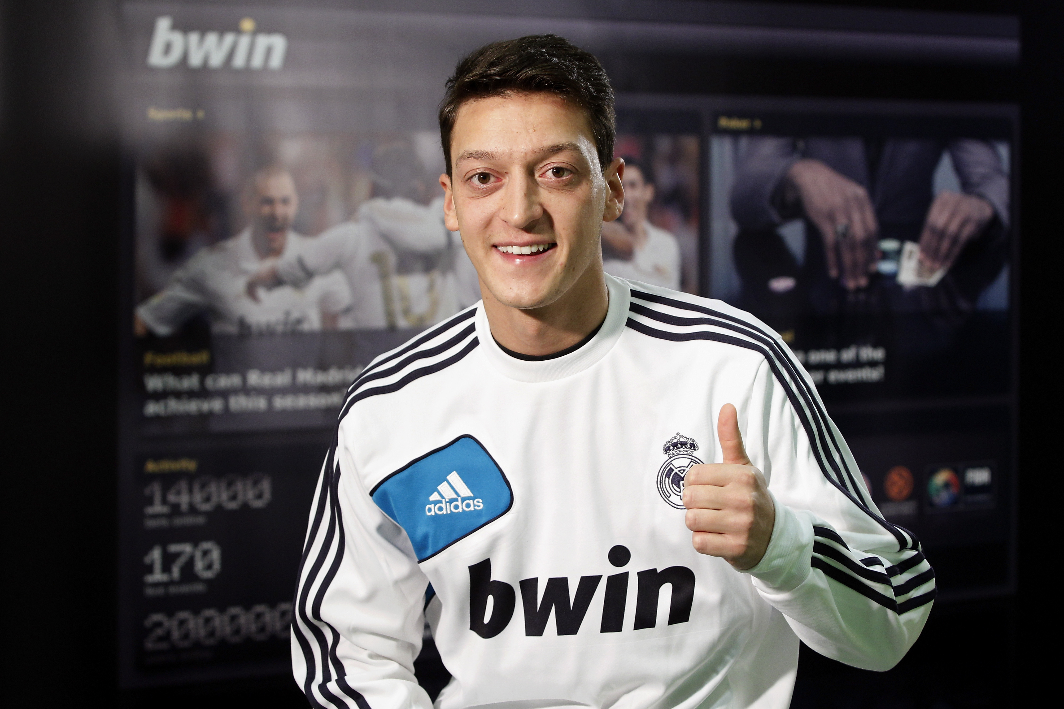 18954 download wallpaper Sports, People, Football, Men, Mesut Ozil screensavers and pictures for free